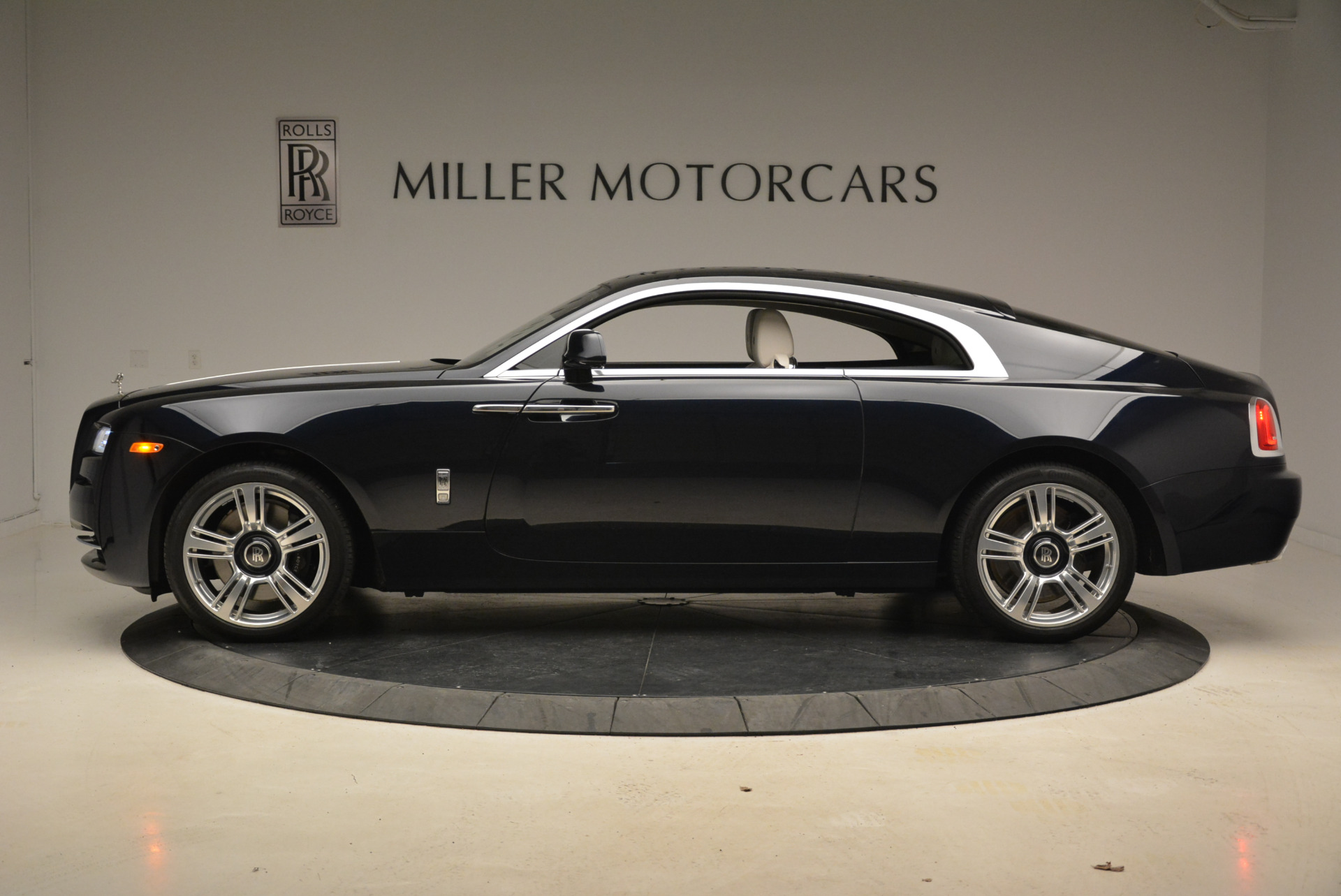 Used 2015 Rolls-Royce Wraith  For Sale In Westport, CT 2099_p3
