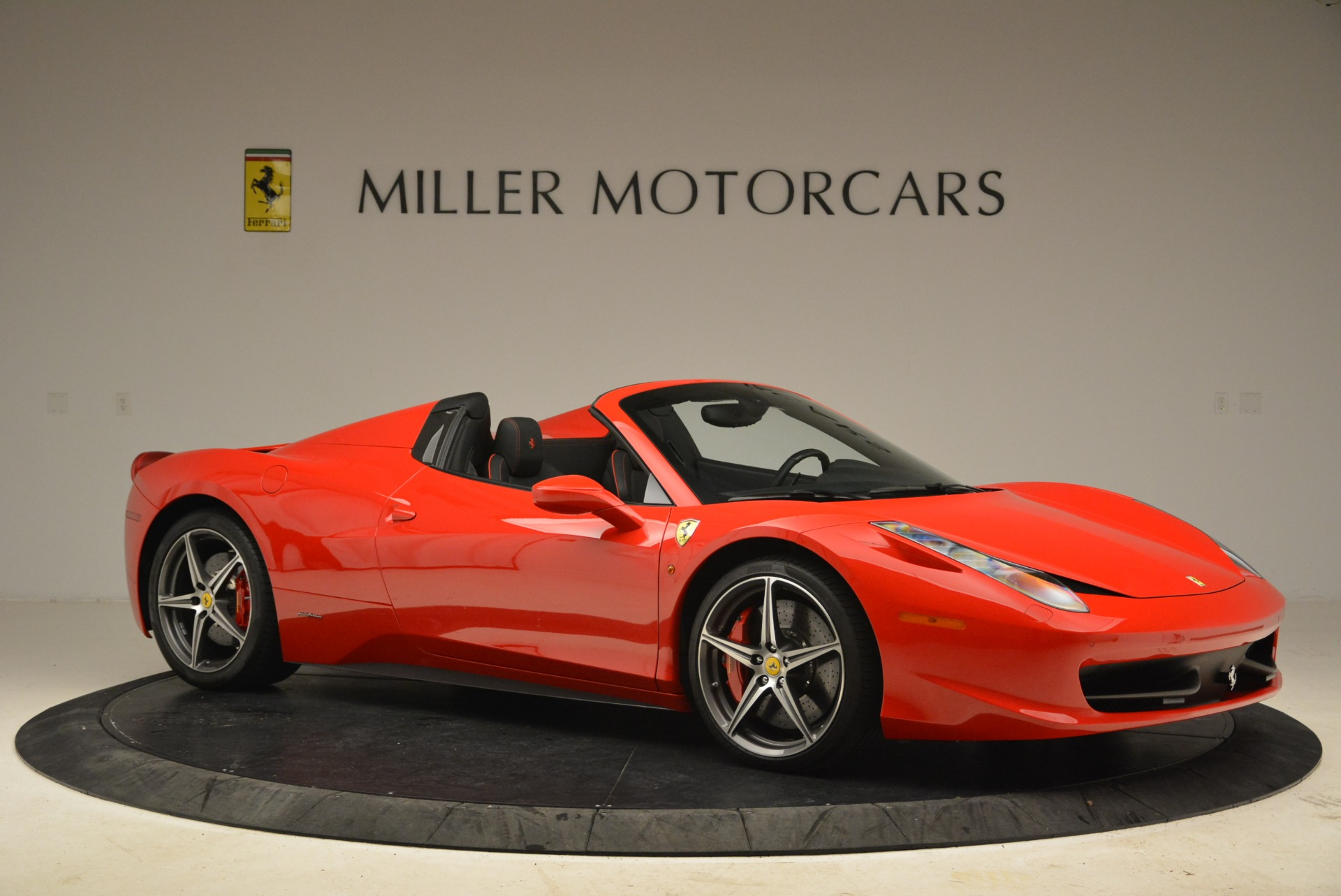 Used 2014 Ferrari 458 Spider  For Sale In Westport, CT 2100_p10
