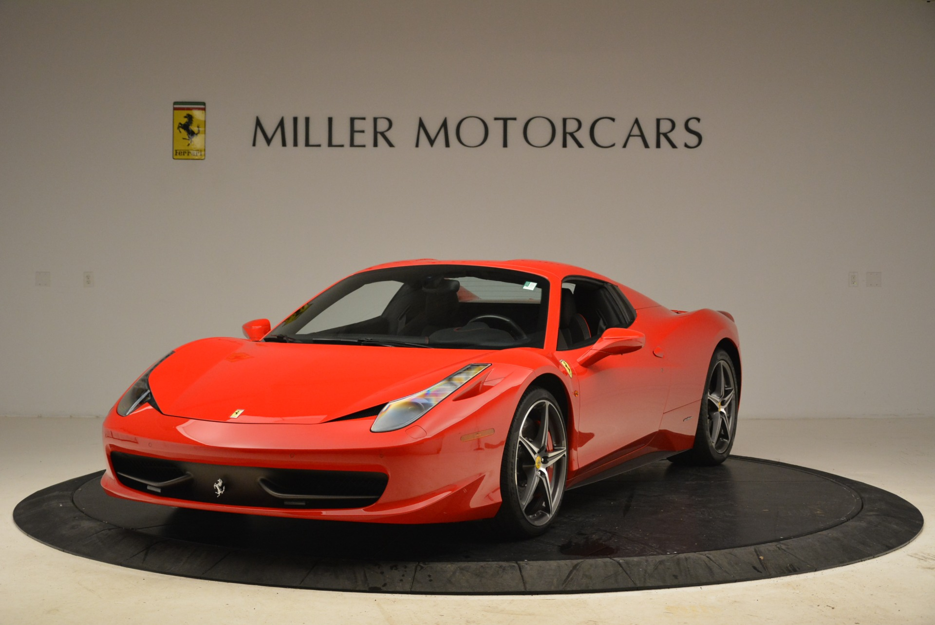 Used 2014 Ferrari 458 Spider  For Sale In Westport, CT 2100_p13