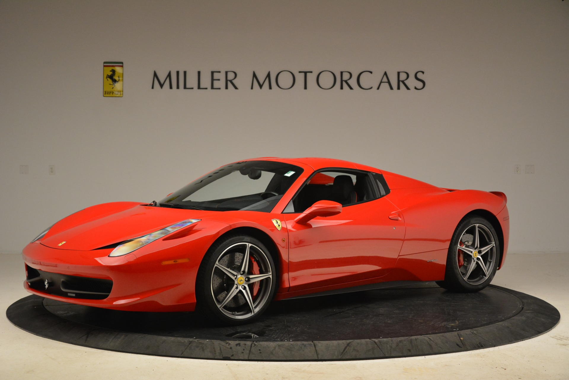 Used 2014 Ferrari 458 Spider  For Sale In Westport, CT 2100_p14