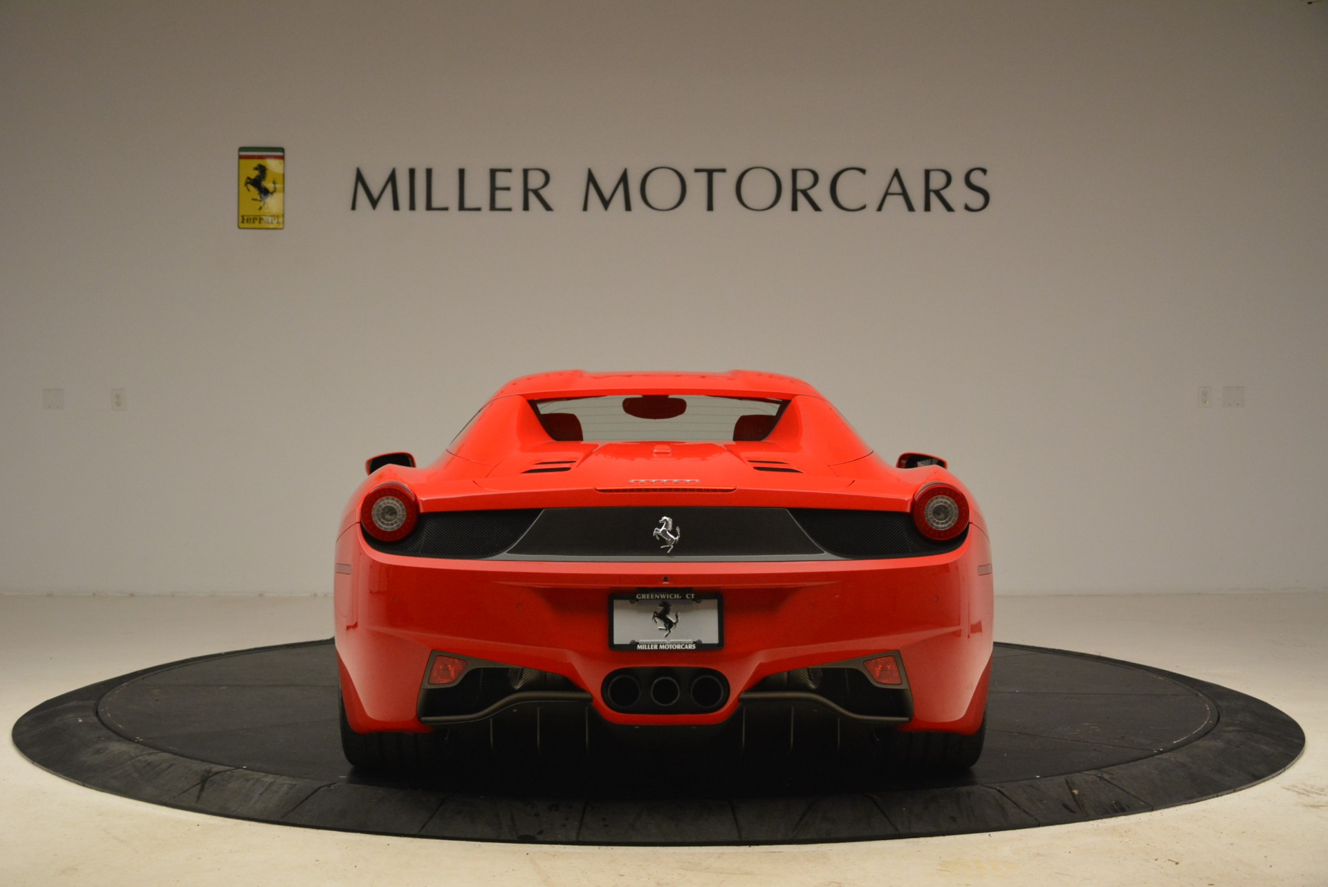 Used 2014 Ferrari 458 Spider  For Sale In Westport, CT 2100_p18