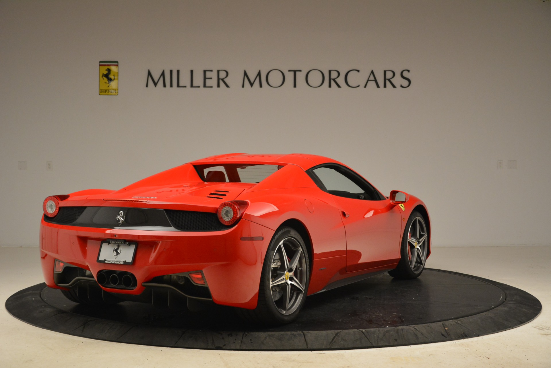 Used 2014 Ferrari 458 Spider  For Sale In Westport, CT 2100_p19