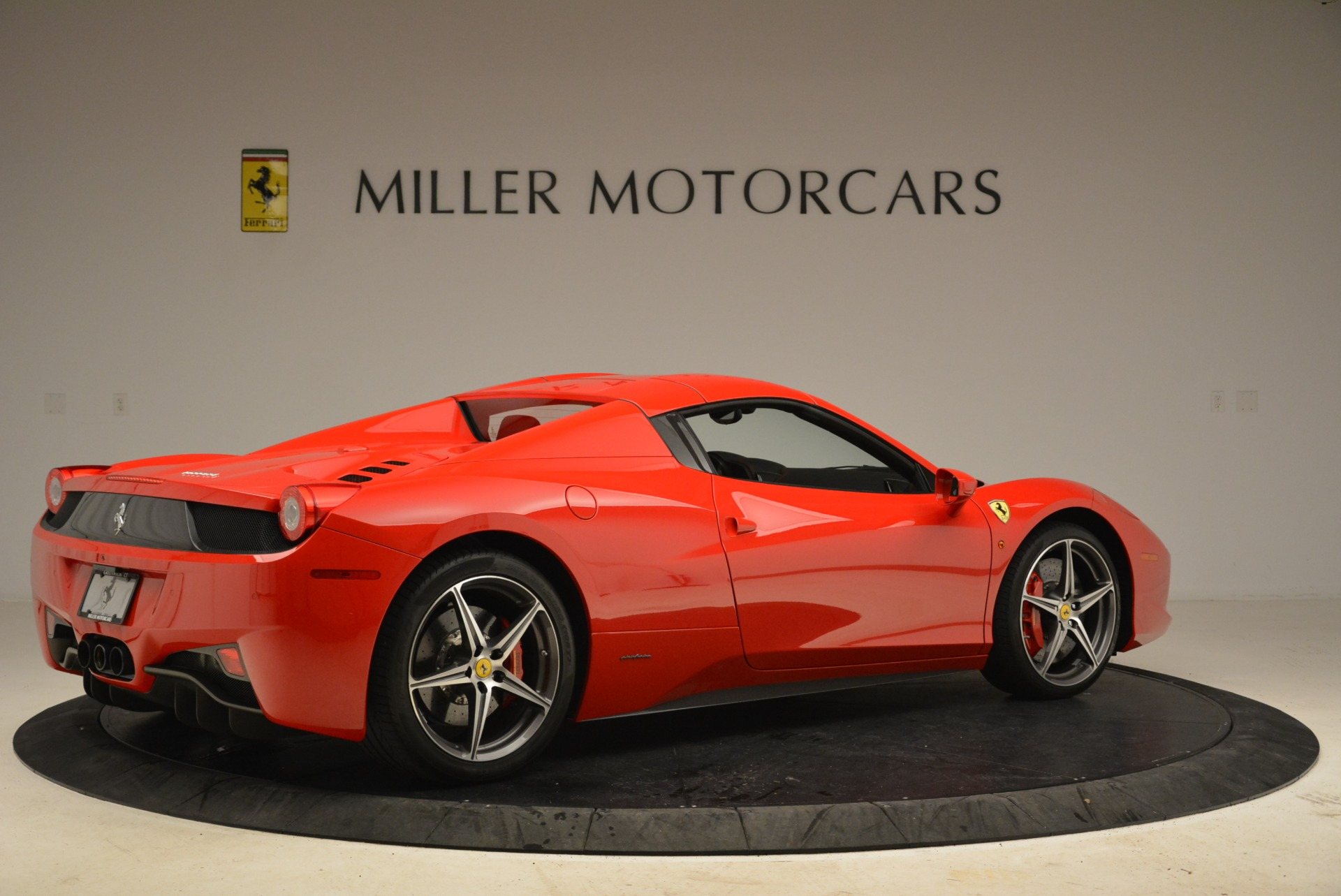 Used 2014 Ferrari 458 Spider  For Sale In Westport, CT 2100_p20