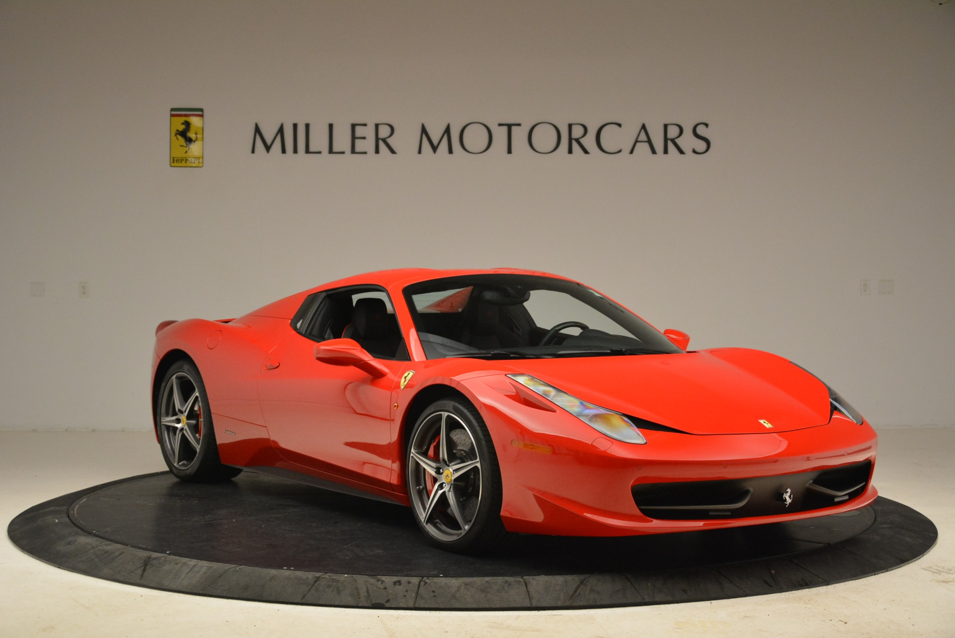 Used 2014 Ferrari 458 Spider  For Sale In Westport, CT 2100_p23
