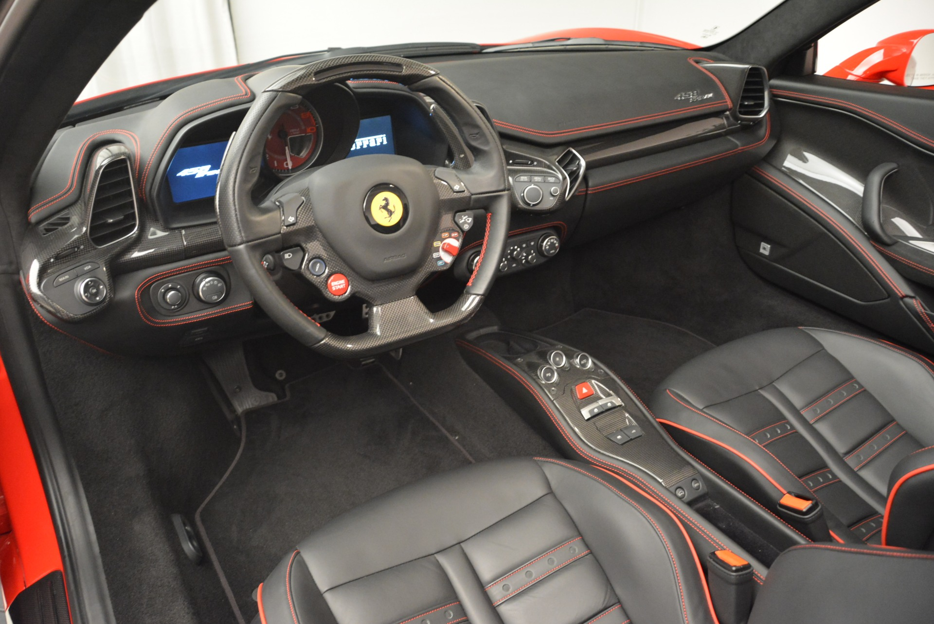 Used 2014 Ferrari 458 Spider  For Sale In Westport, CT 2100_p25