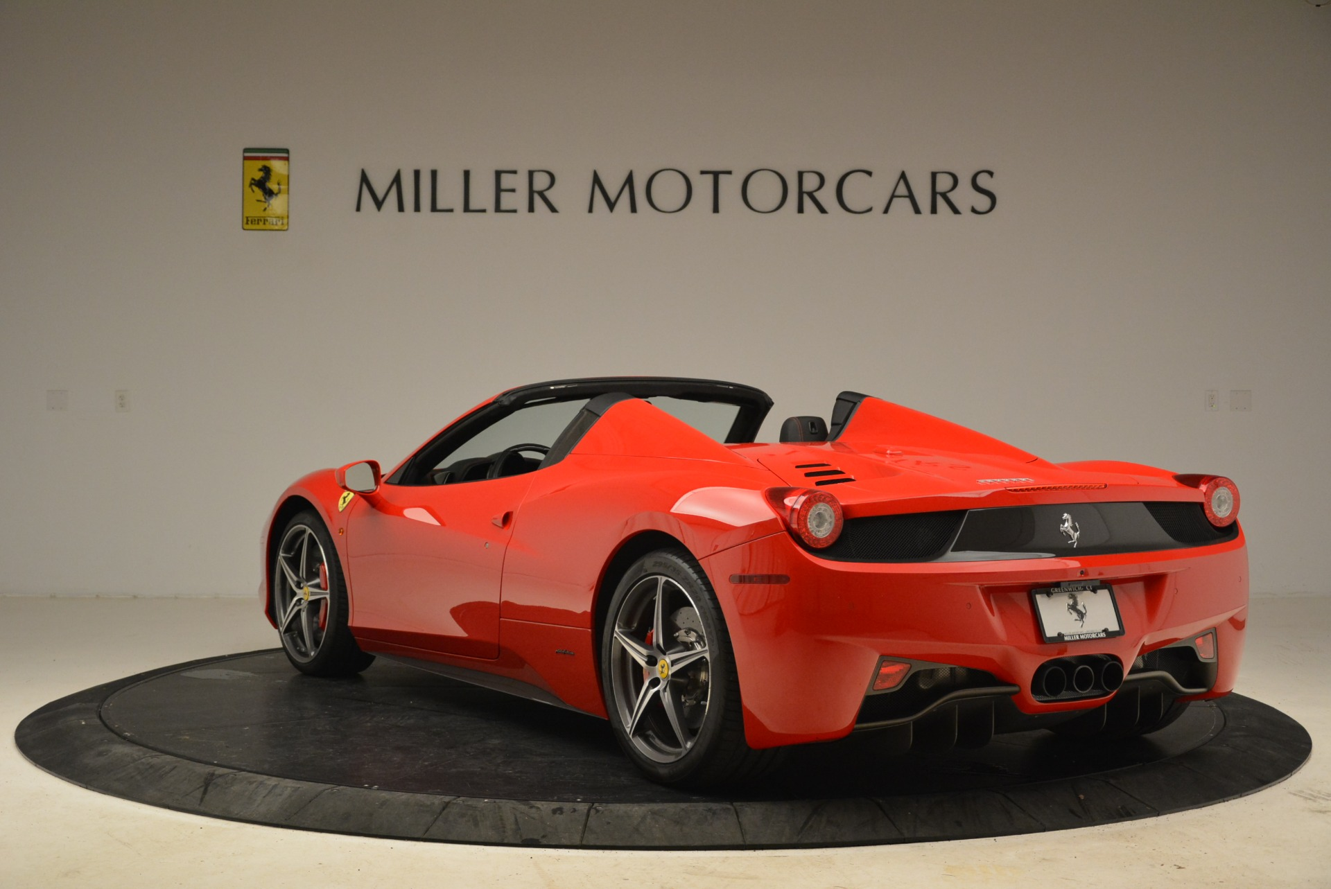 Used 2014 Ferrari 458 Spider  For Sale In Westport, CT 2100_p5