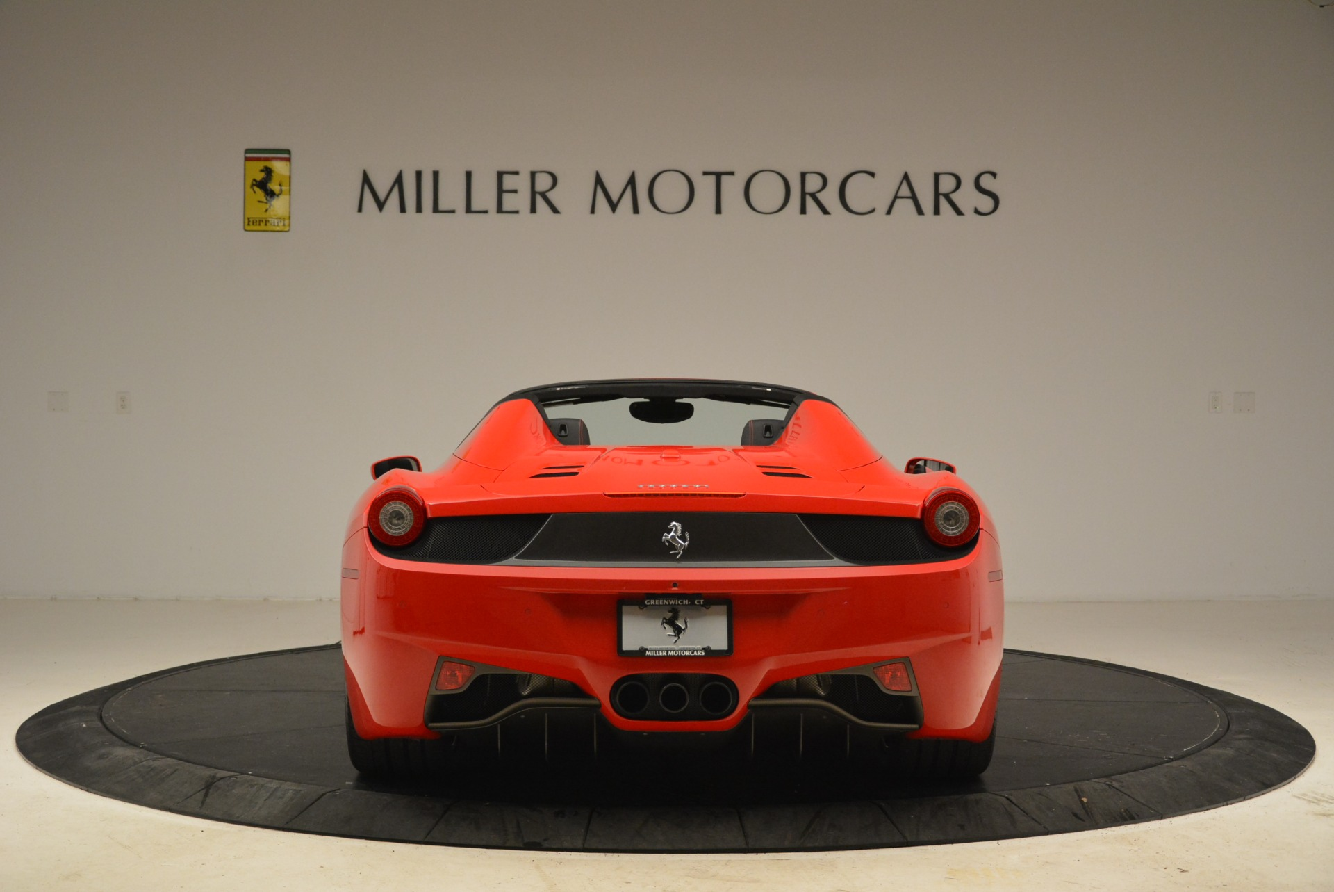 Used 2014 Ferrari 458 Spider  For Sale In Westport, CT 2100_p6