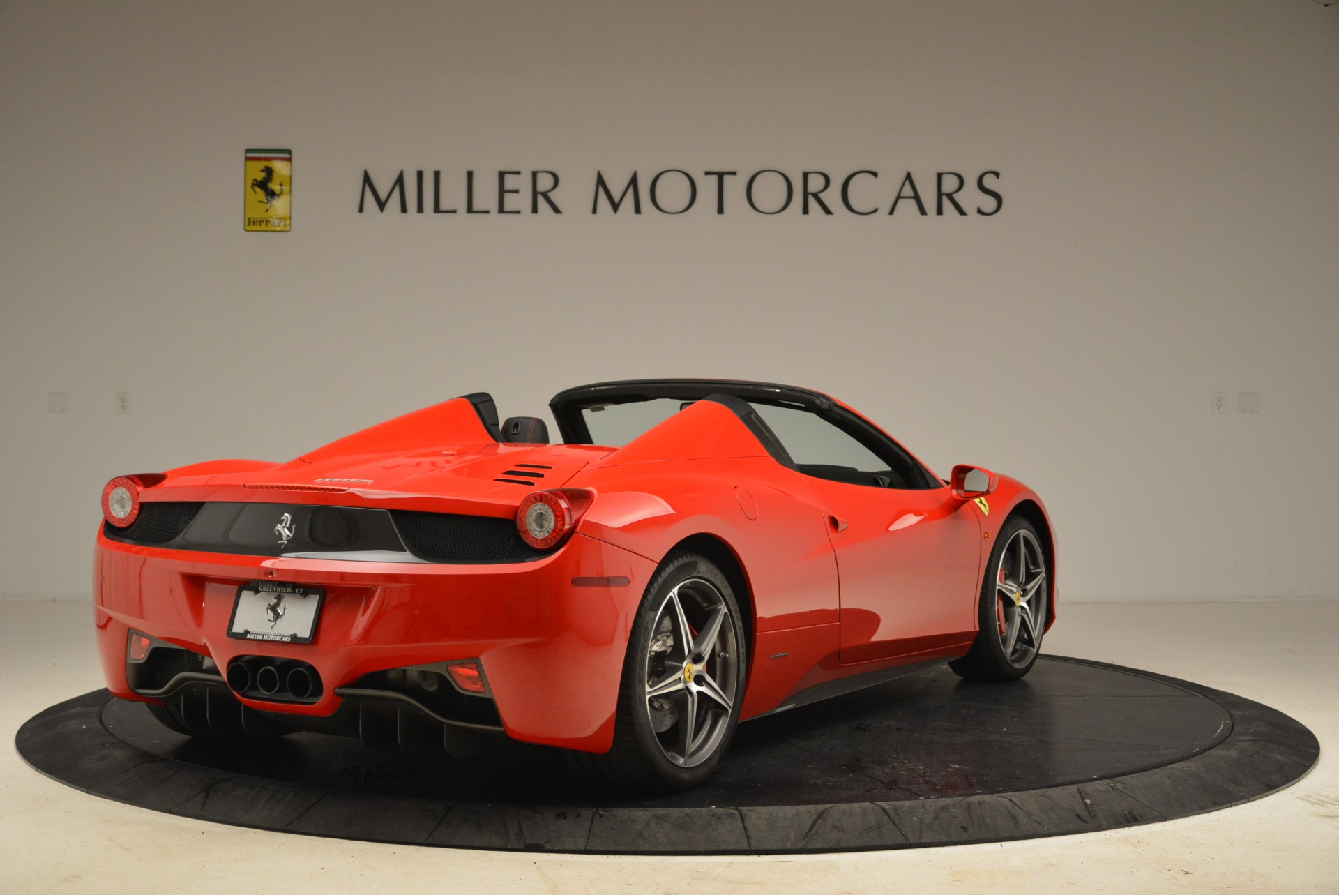 Used 2014 Ferrari 458 Spider  For Sale In Westport, CT 2100_p7