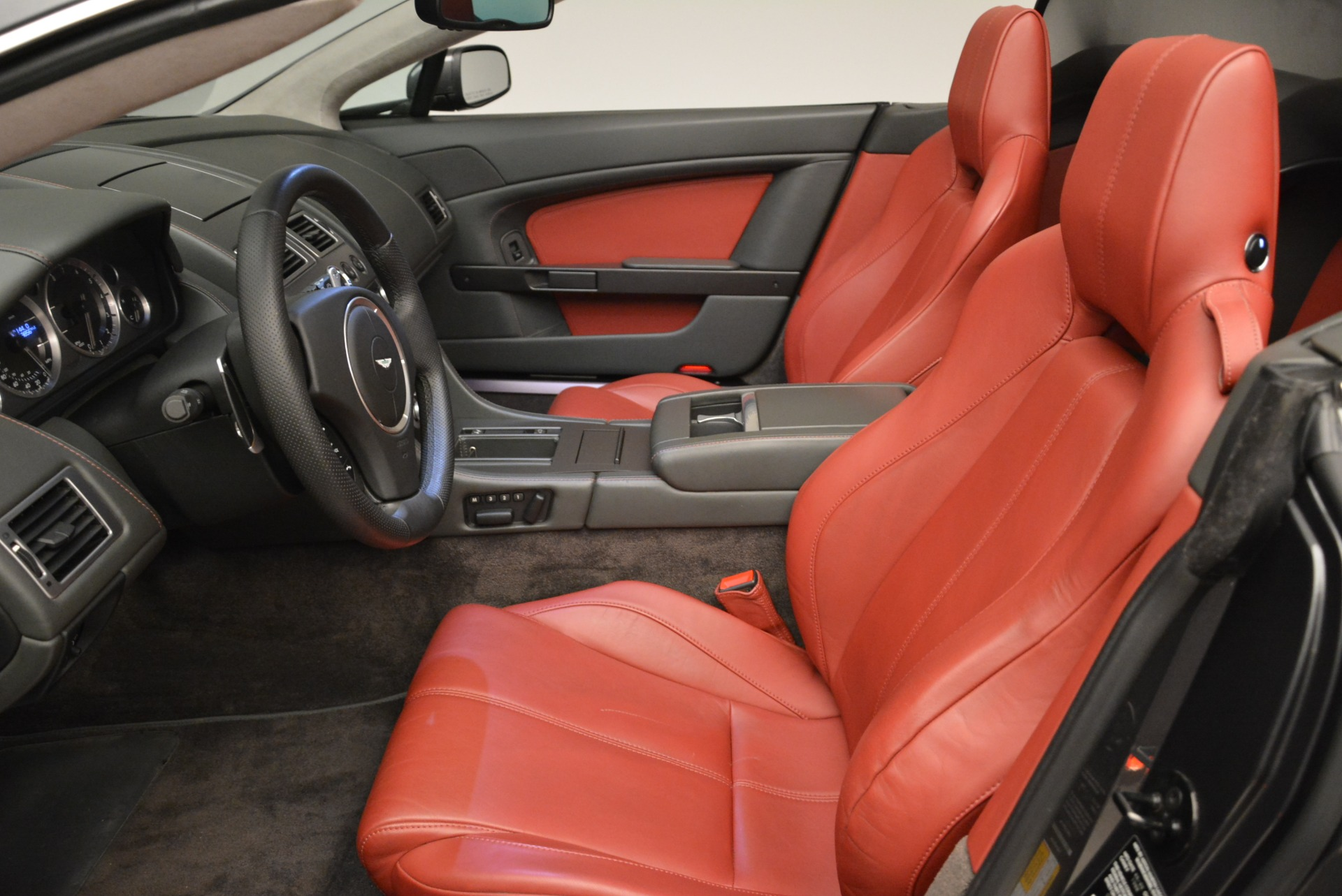 Used 2009 Aston Martin V8 Vantage Roadster For Sale In Westport, CT 2123_p25