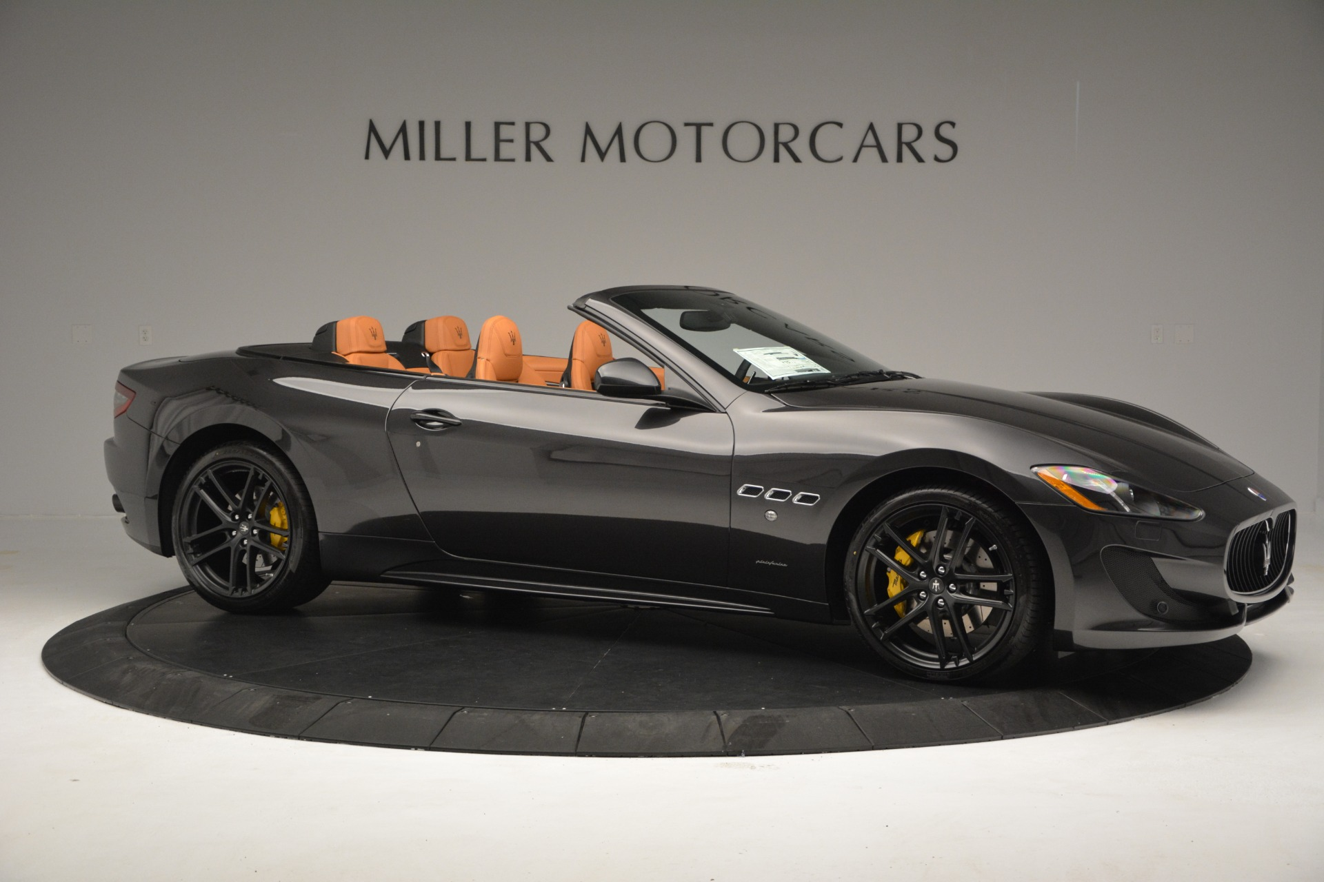 Used 2015 Maserati GranTurismo Sport Convertible For Sale In Westport, CT 2129_p11