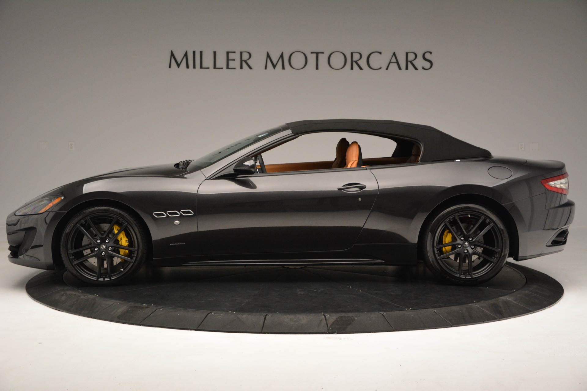 Used 2015 Maserati GranTurismo Sport Convertible For Sale In Westport, CT 2129_p16