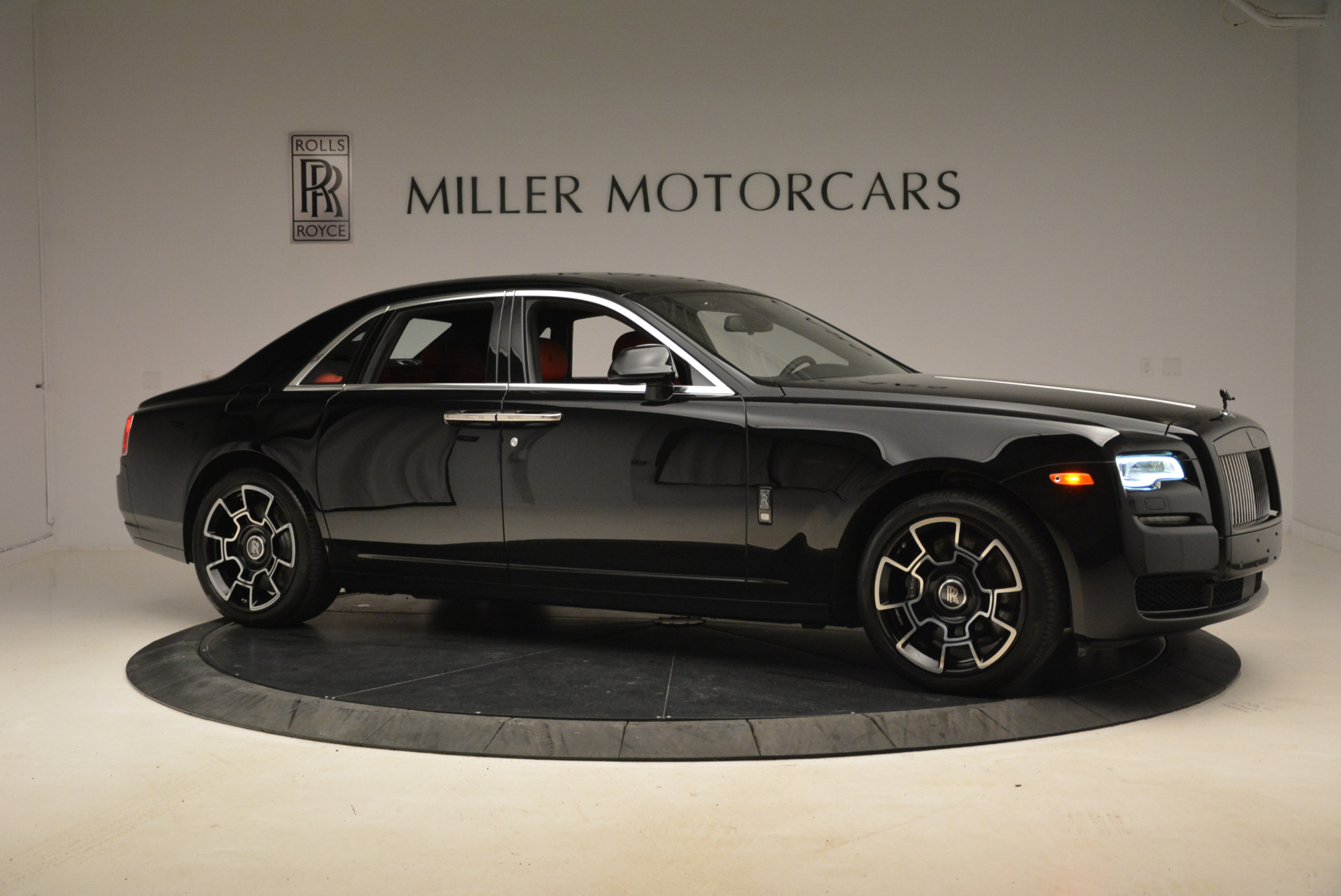 Used 2017 Rolls-Royce Ghost Black Badge For Sale In Westport, CT 2154_p10