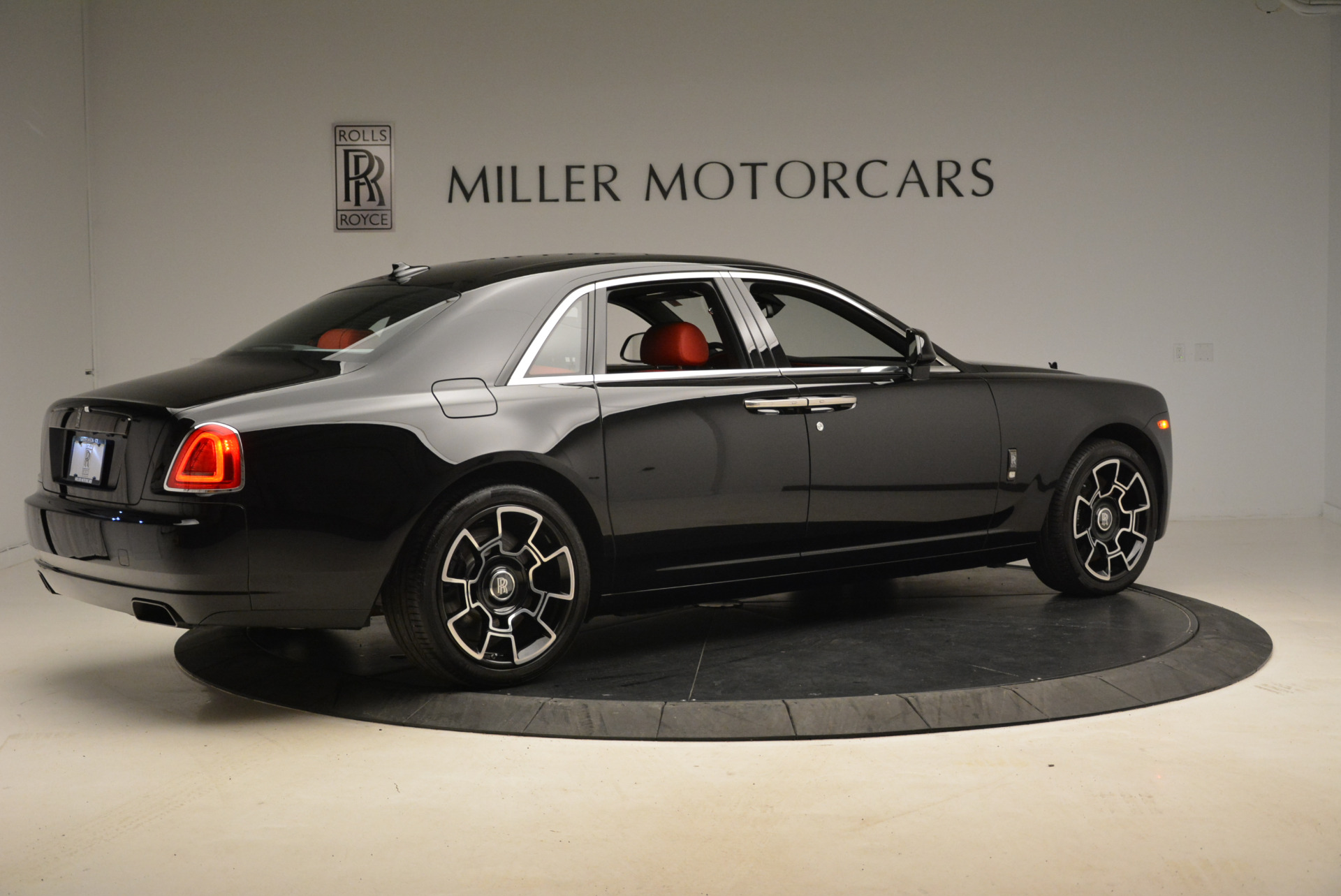 Used 2017 Rolls-Royce Ghost Black Badge For Sale In Westport, CT 2154_p8