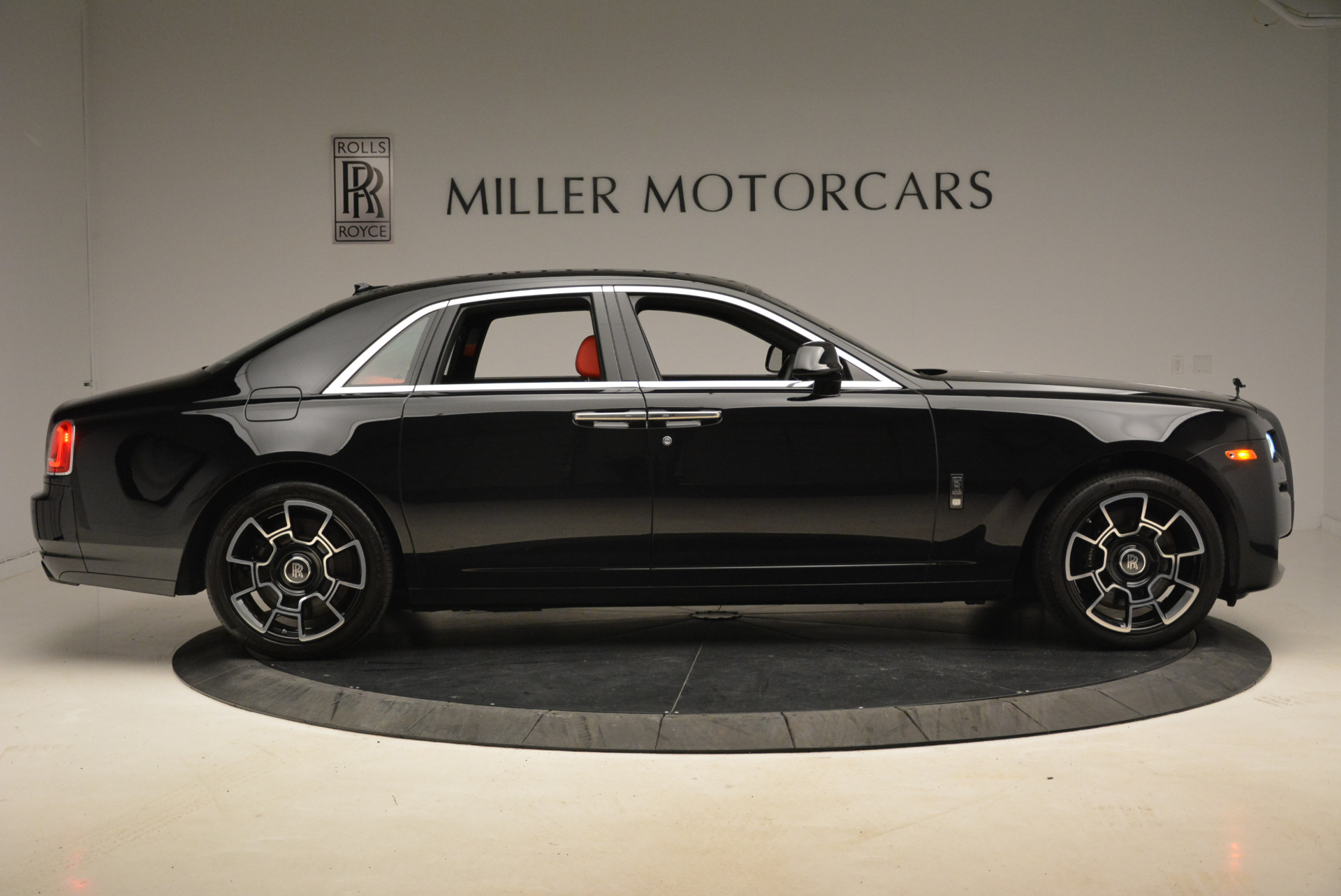 Used 2017 Rolls-Royce Ghost Black Badge For Sale In Westport, CT 2154_p9