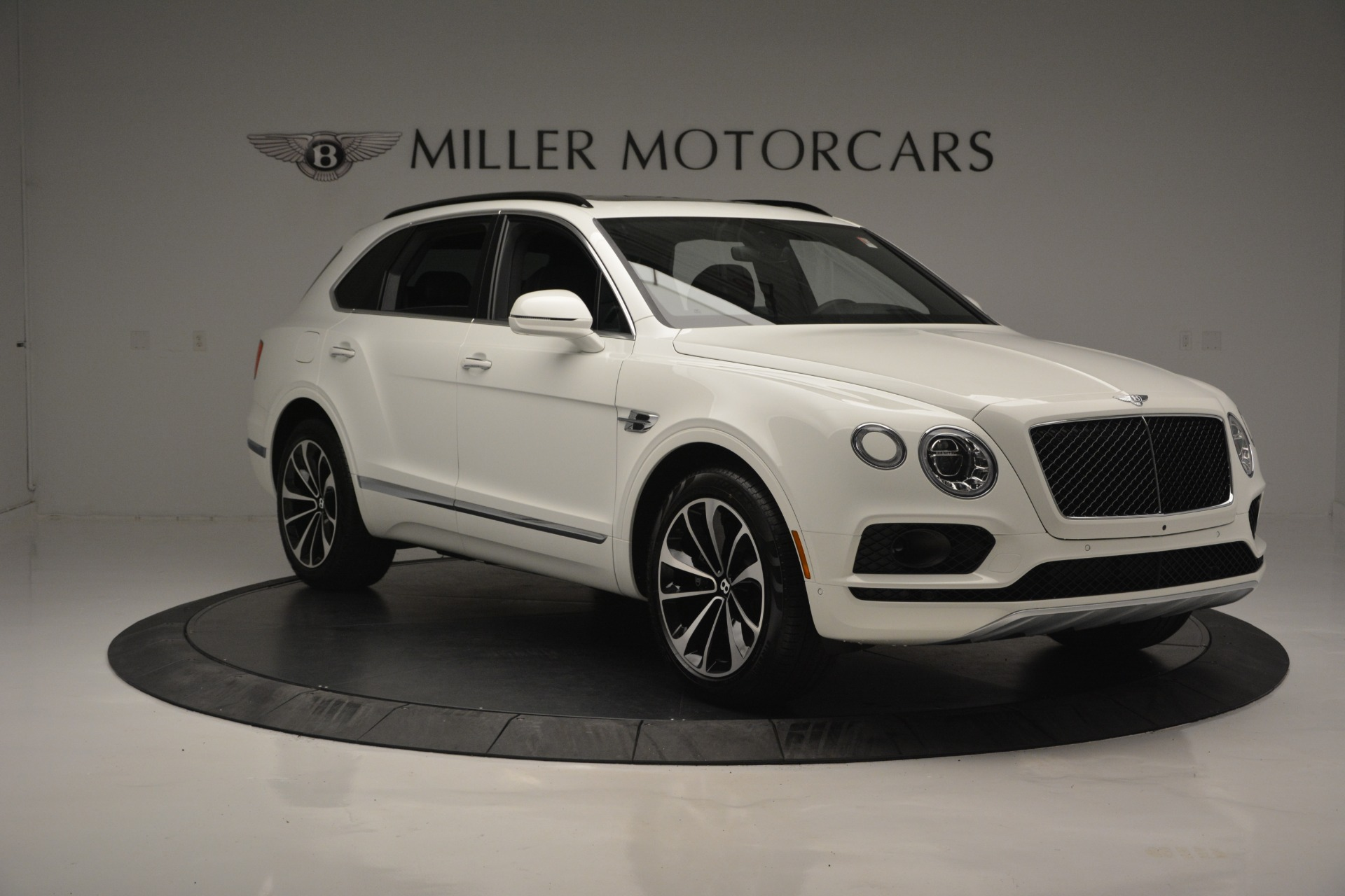 Used 2019 Bentley Bentayga V8 For Sale In Westport, CT 2162_p10