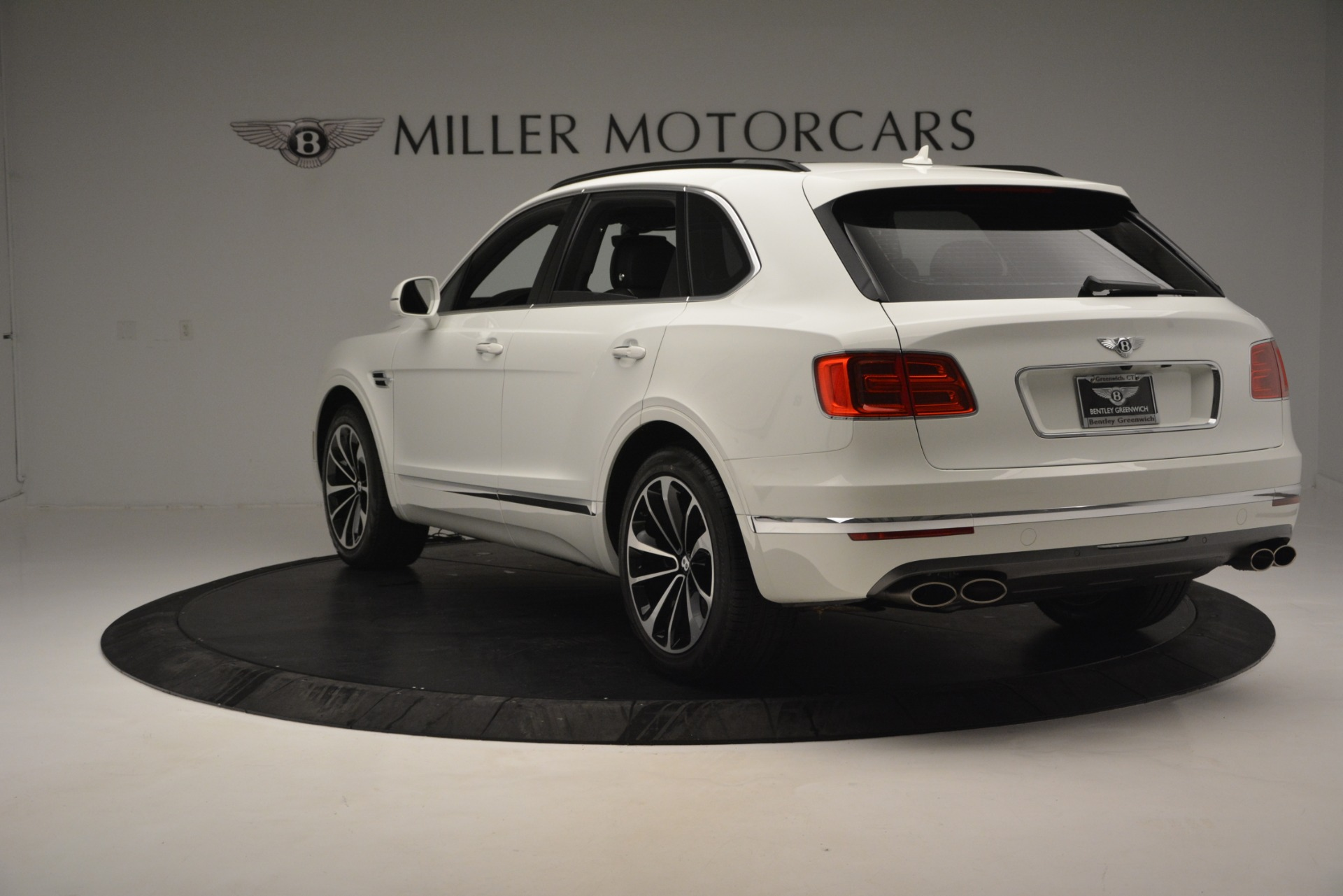 Used 2019 Bentley Bentayga V8 For Sale In Westport, CT 2162_p4