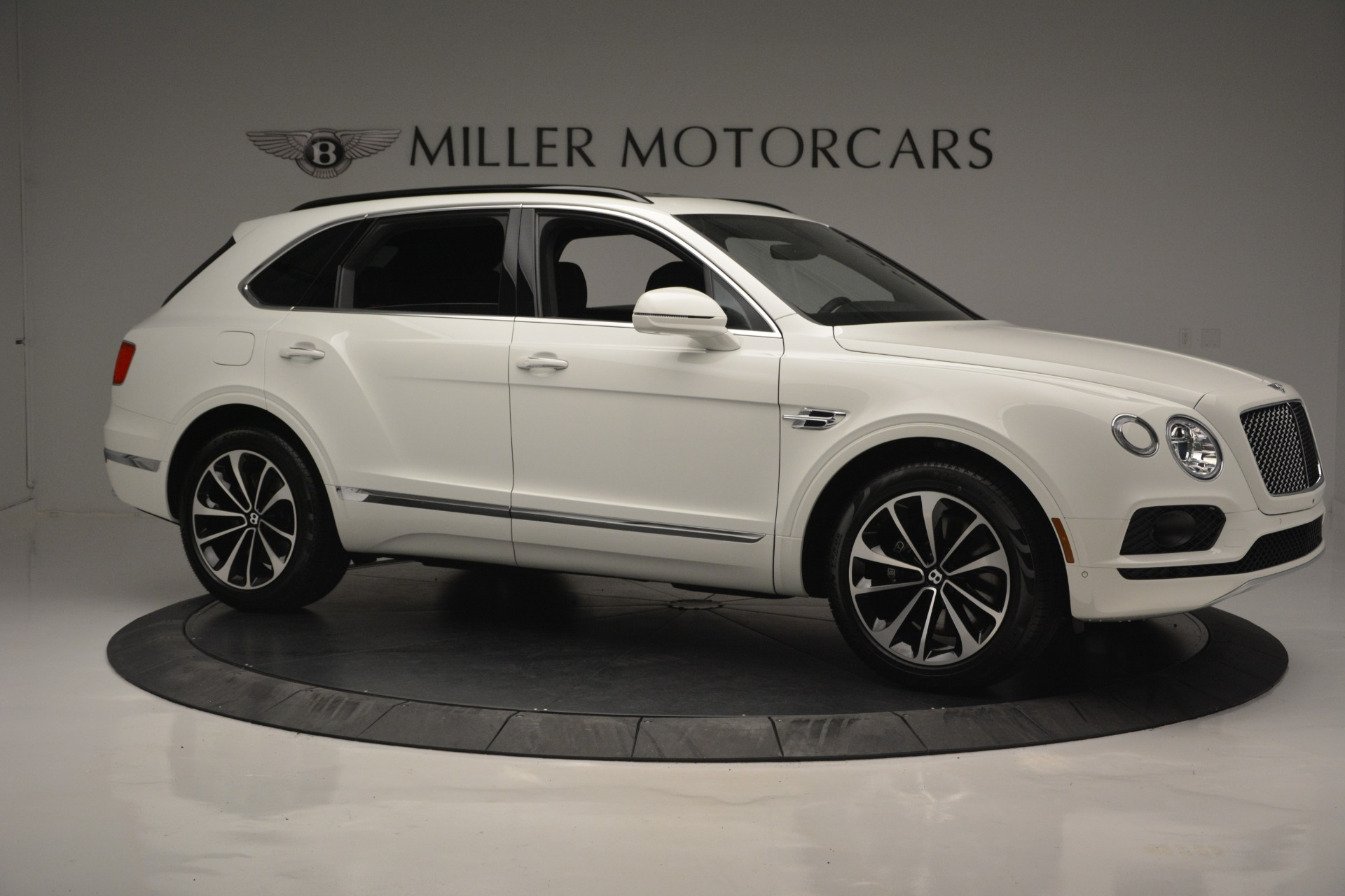 Used 2019 Bentley Bentayga V8 For Sale In Westport, CT 2162_p9