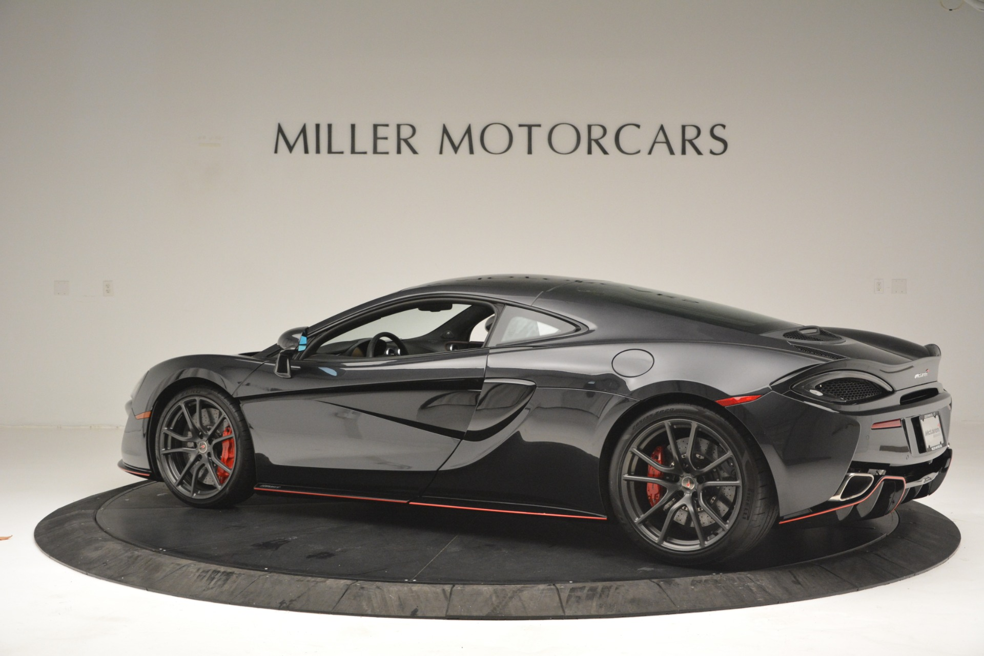 Used 2018 McLaren 570GT  For Sale In Westport, CT 2166_p4