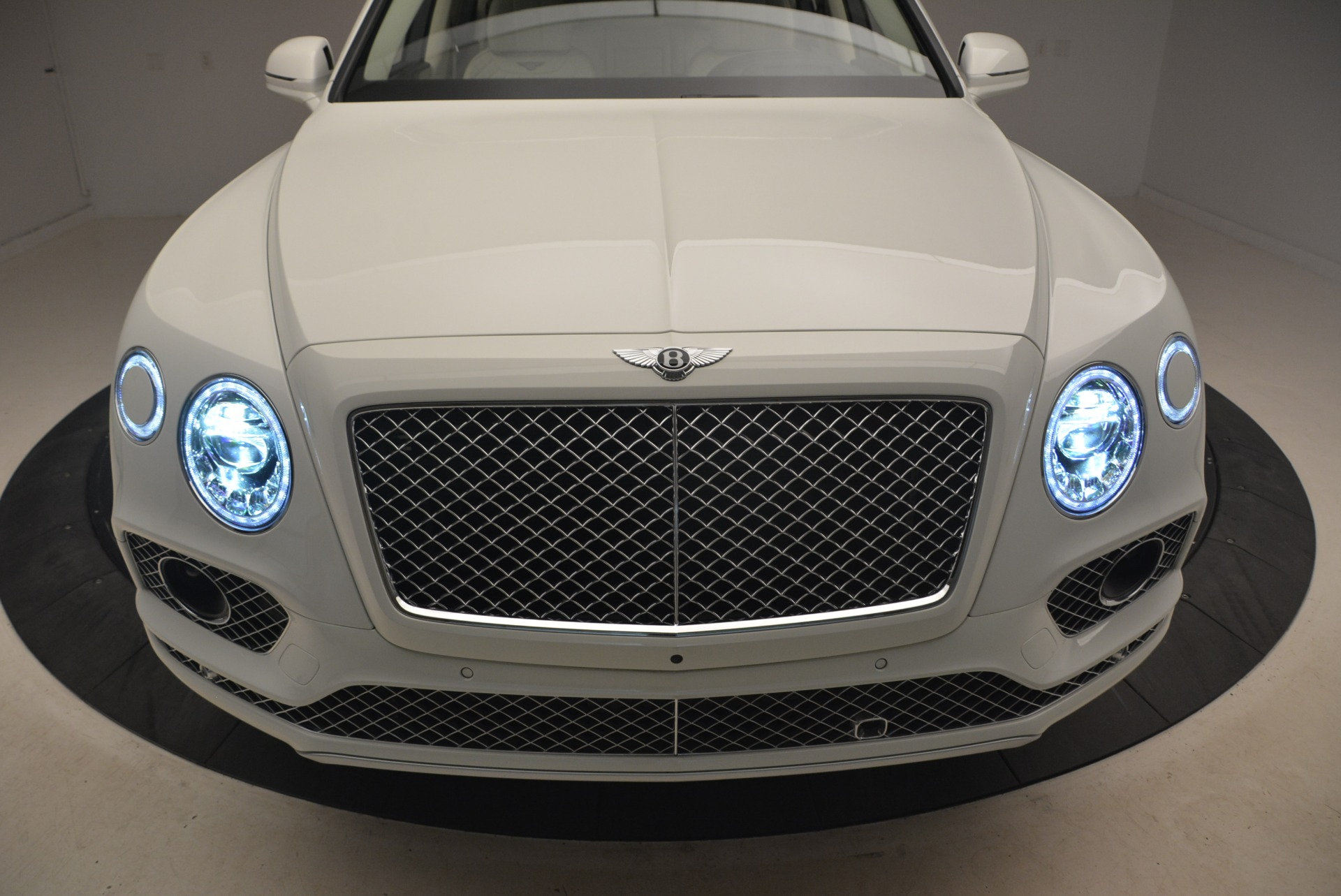 Used 2018 Bentley Bentayga Signature For Sale In Westport, CT 2168_p14