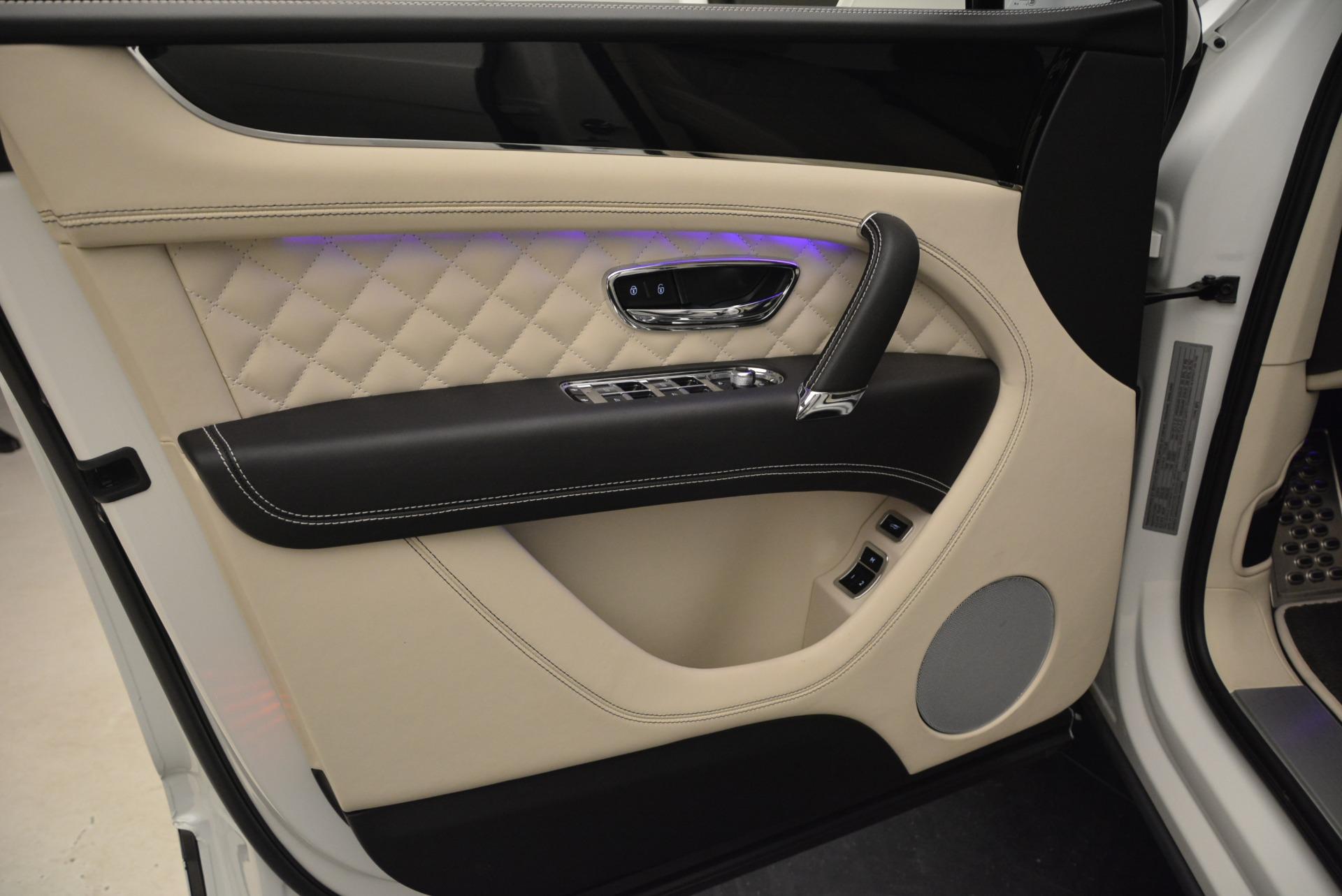 Used 2018 Bentley Bentayga Signature For Sale In Westport, CT 2168_p17