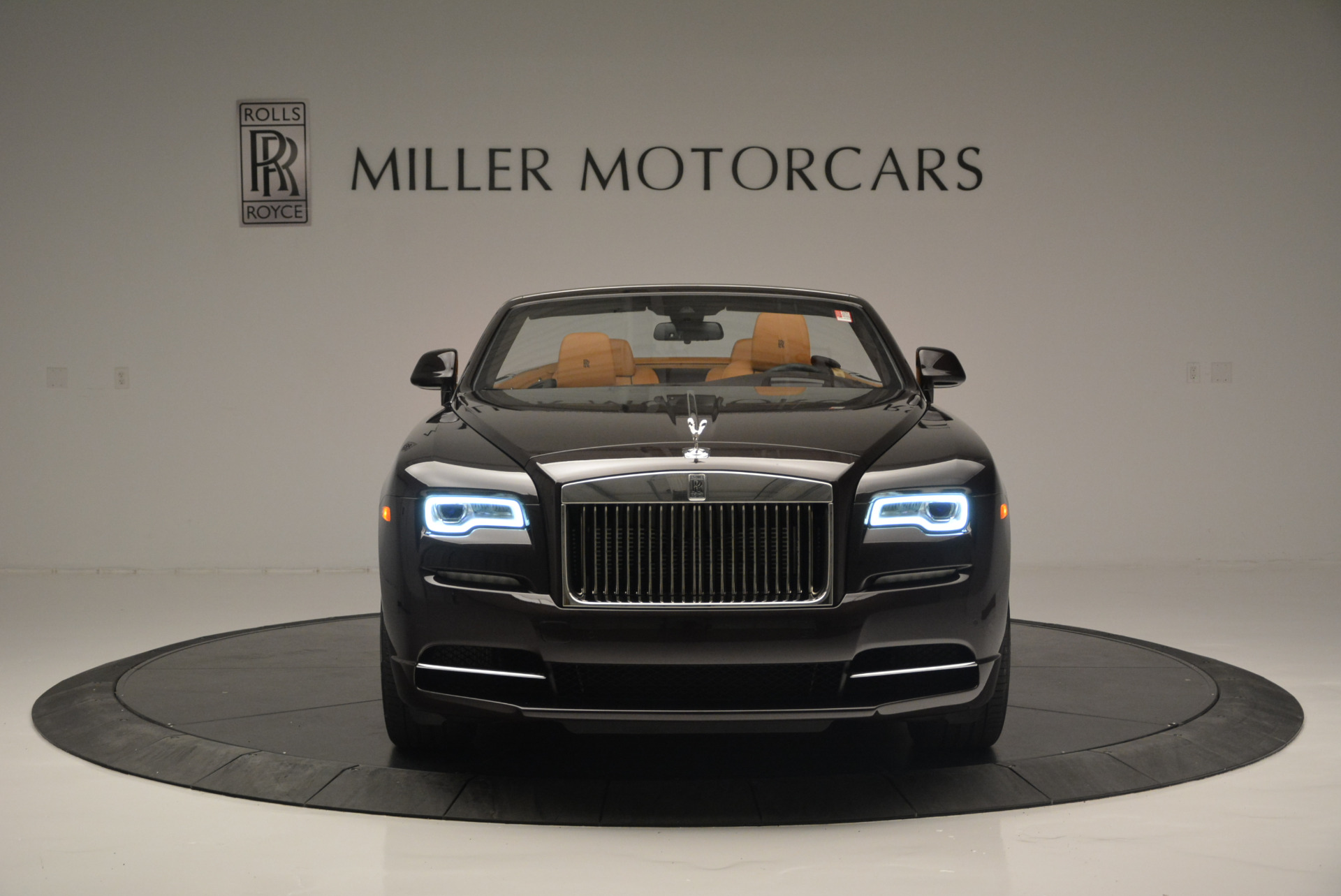 Used 2018 Rolls-Royce Dawn  For Sale In Westport, CT 2178_p8
