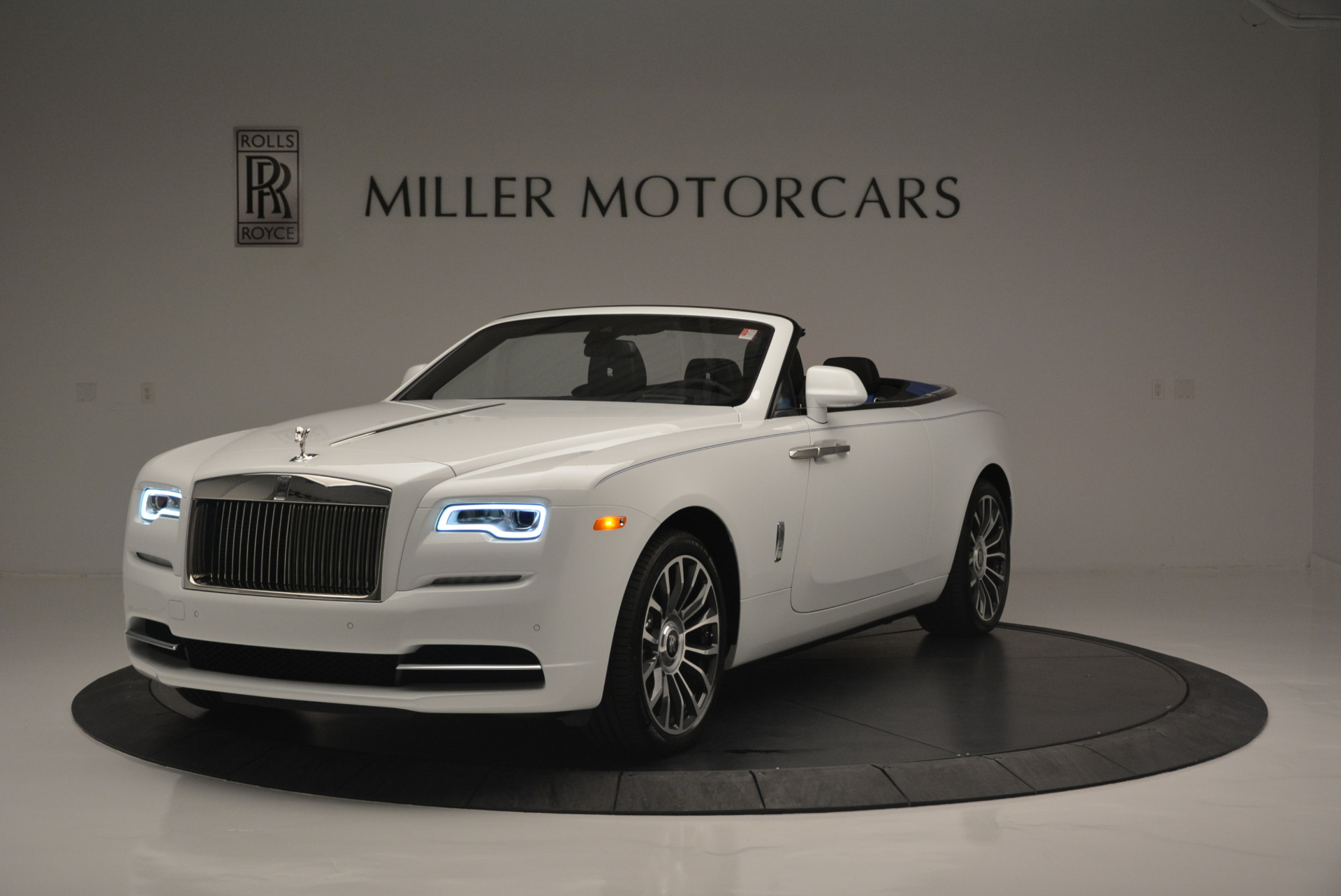 Used 2018 Rolls-Royce Dawn  For Sale In Westport, CT 2181_main