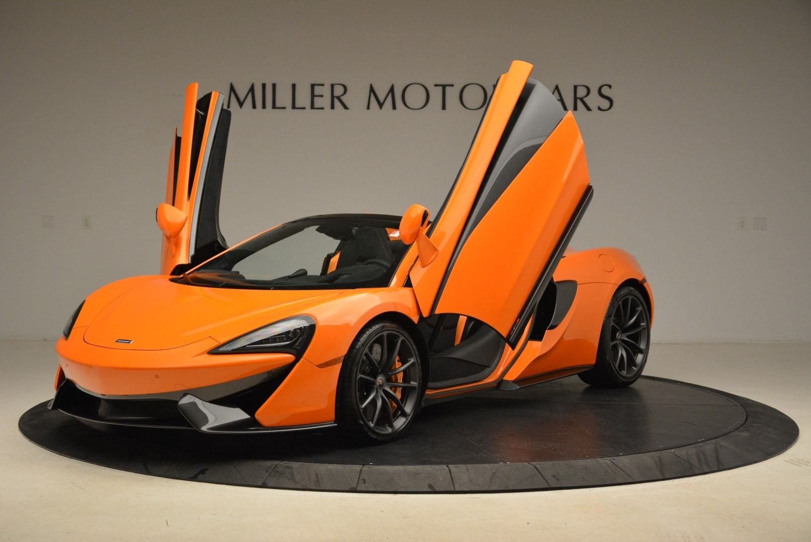 Used 2018 McLaren 570S Spider Convertible For Sale In Westport, CT 2188_p14