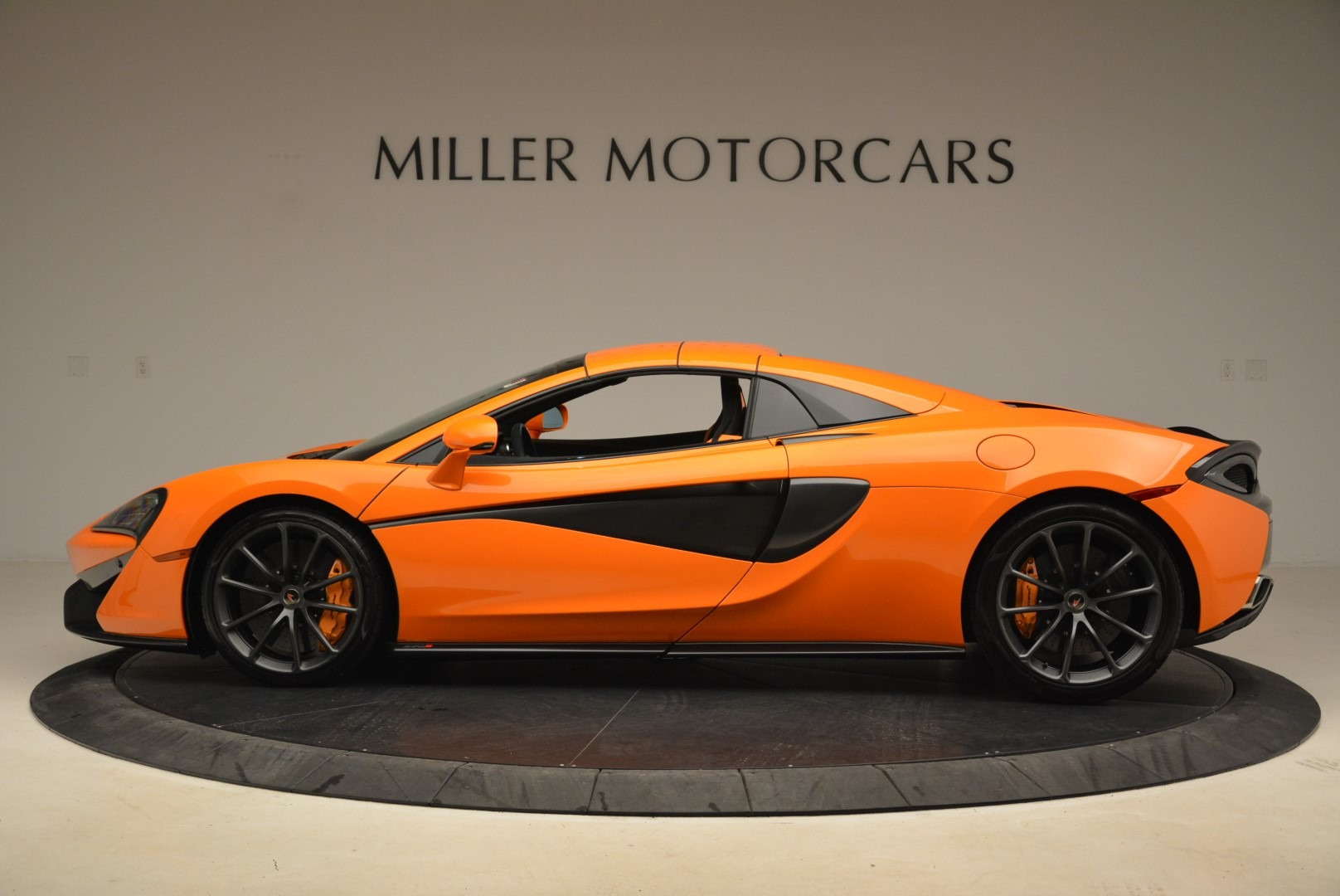 Used 2018 McLaren 570S Spider Convertible For Sale In Westport, CT 2188_p16