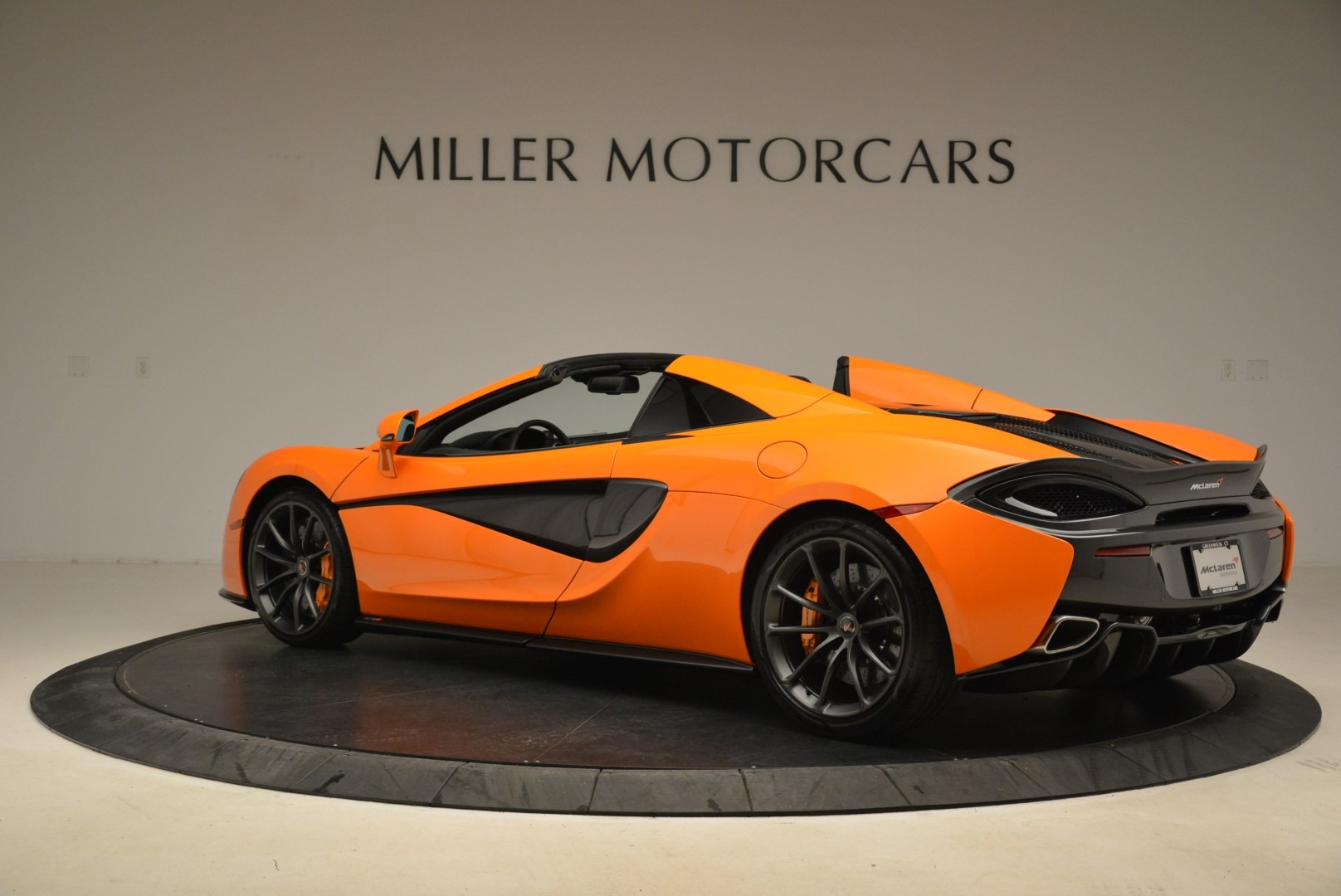 Used 2018 McLaren 570S Spider Convertible For Sale In Westport, CT 2188_p4