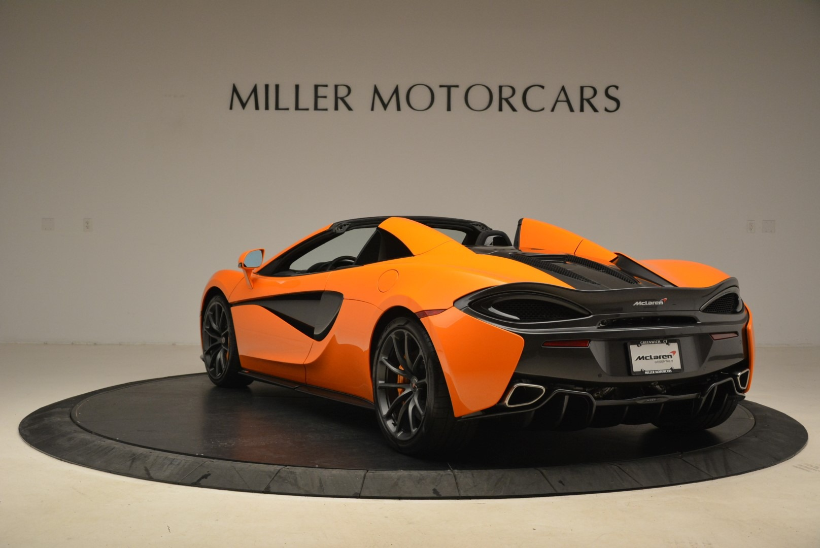 Used 2018 McLaren 570S Spider Convertible For Sale In Westport, CT 2188_p5