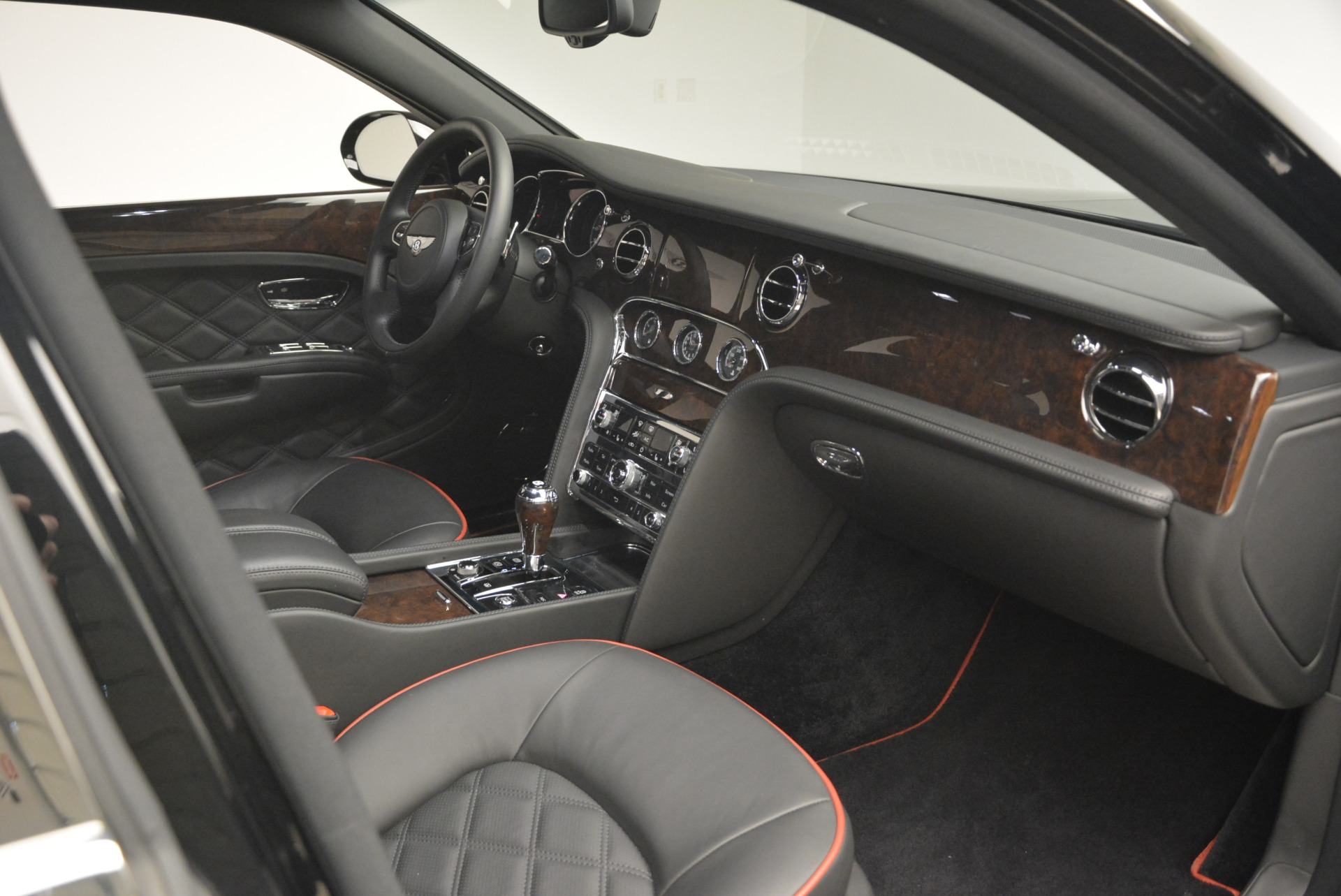 Used 2016 Bentley Mulsanne  For Sale In Westport, CT 2189_p24