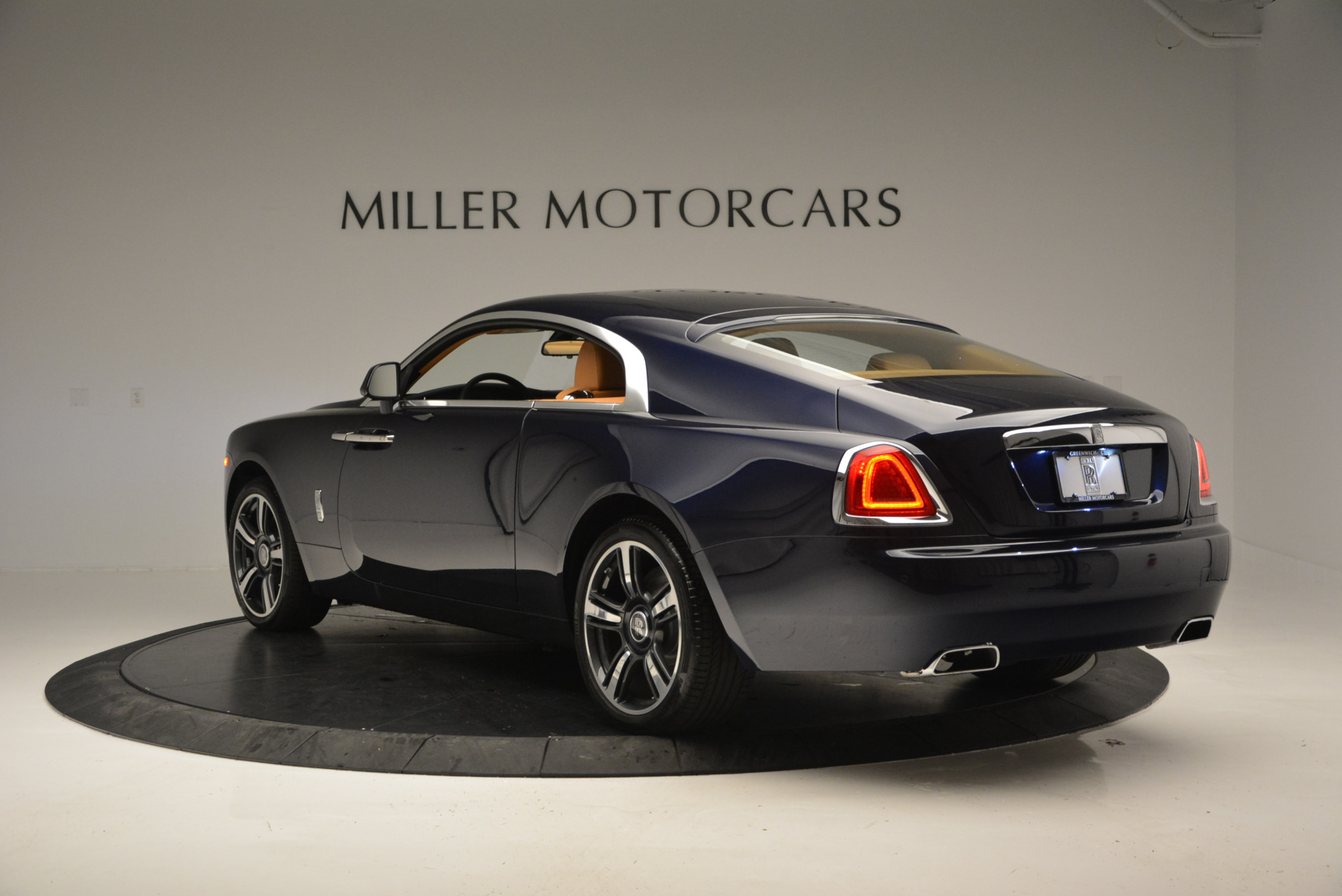 Used 2016 Rolls-Royce Wraith  For Sale In Westport, CT 219_p3