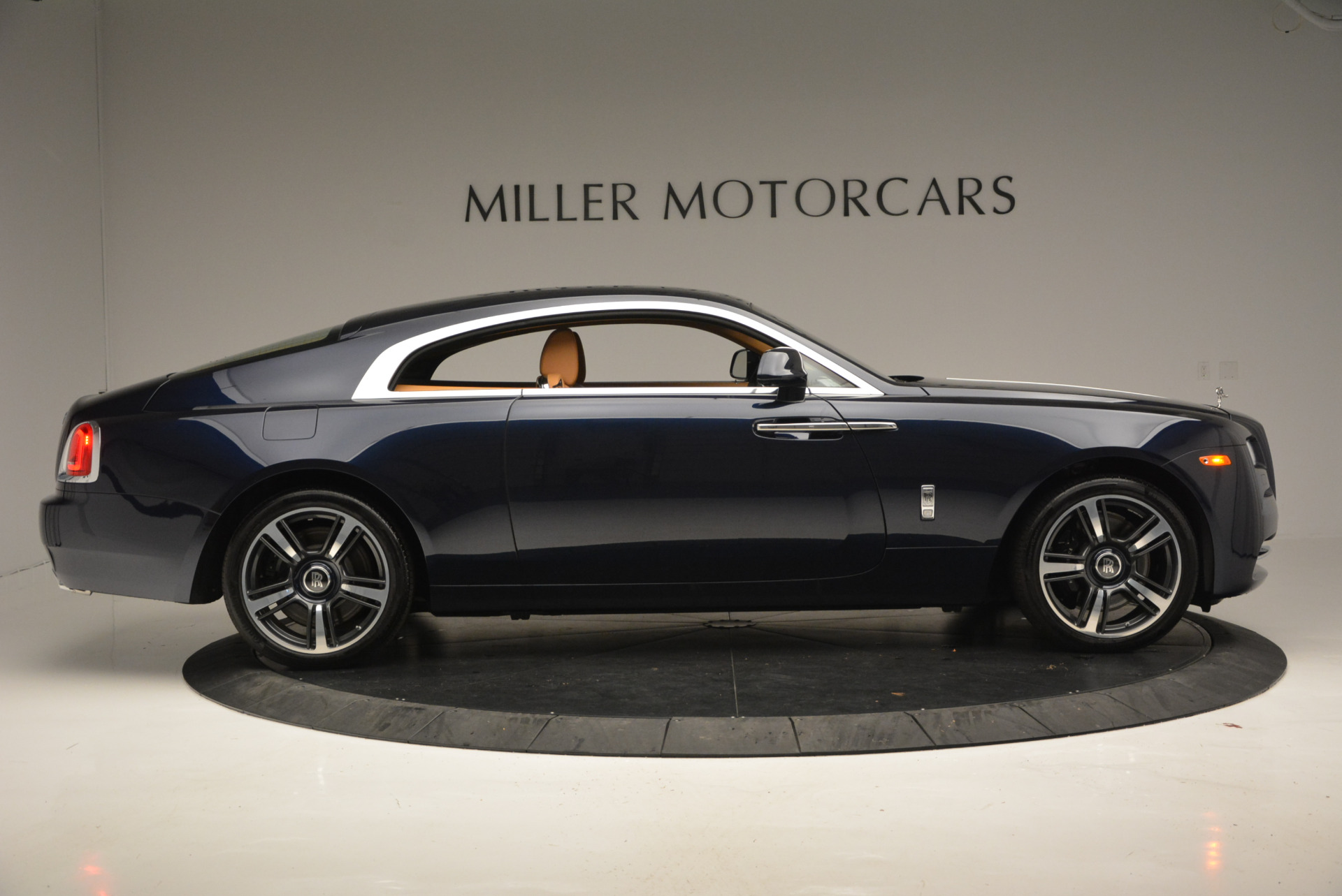Used 2016 Rolls-Royce Wraith  For Sale In Westport, CT 219_p6