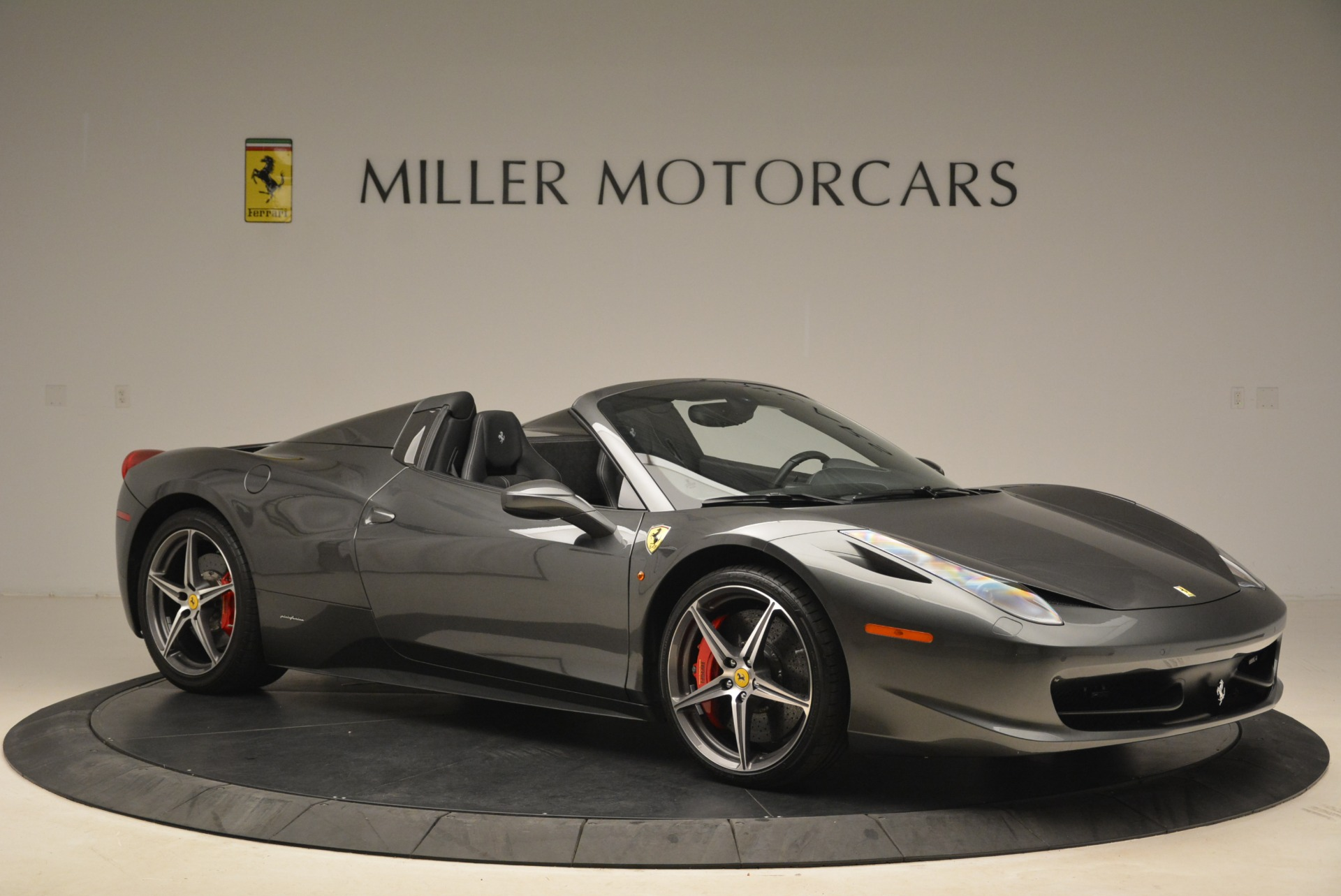Used 2013 Ferrari 458 Spider  For Sale In Westport, CT 2202_p10