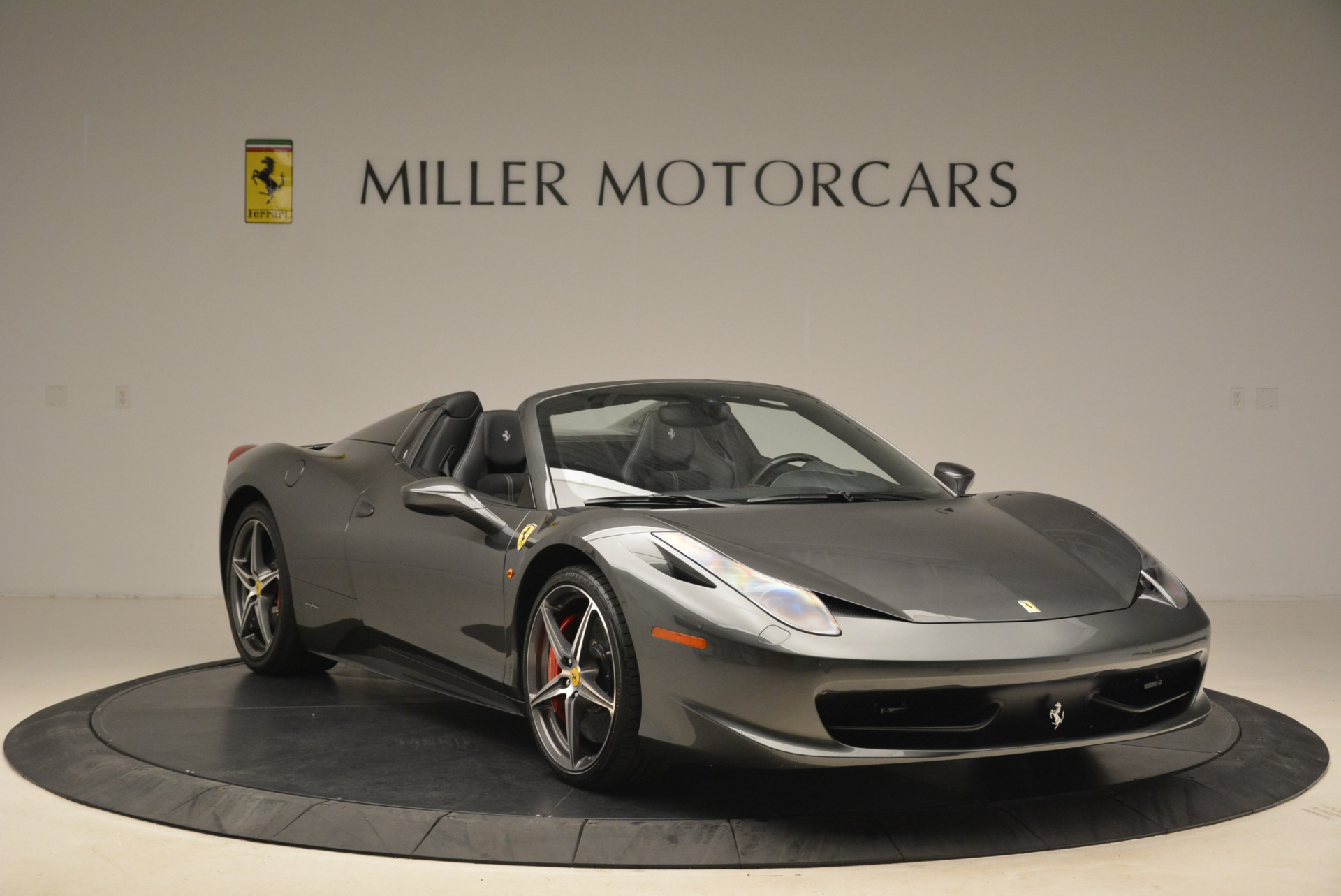 Used 2013 Ferrari 458 Spider  For Sale In Westport, CT 2202_p11