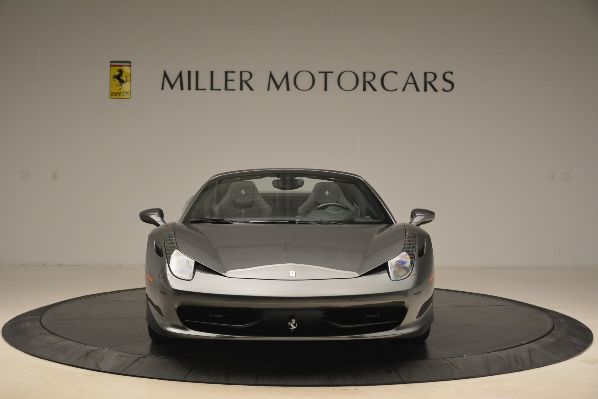 Used 2013 Ferrari 458 Spider  For Sale In Westport, CT 2202_p12