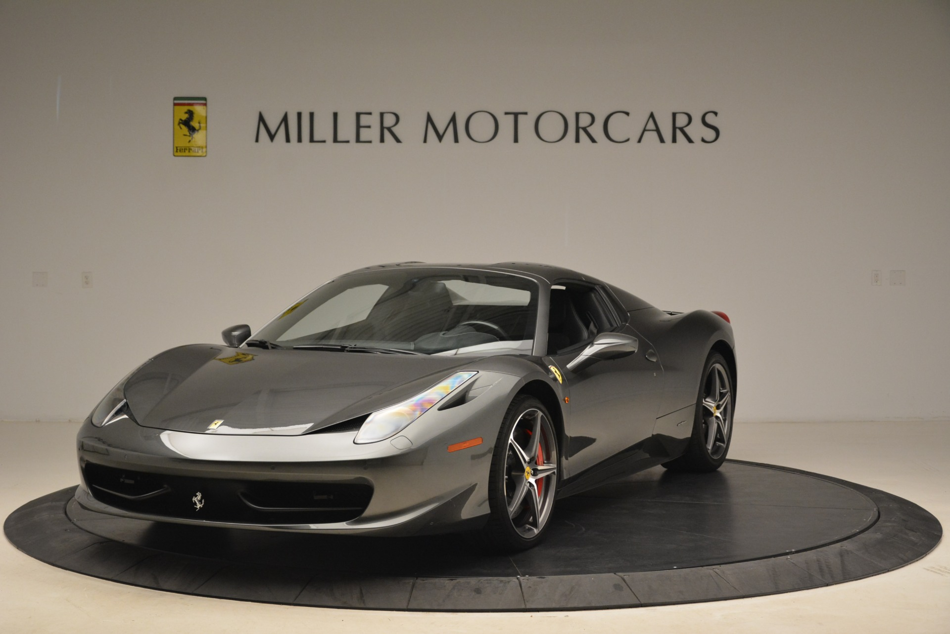 Used 2013 Ferrari 458 Spider  For Sale In Westport, CT 2202_p13