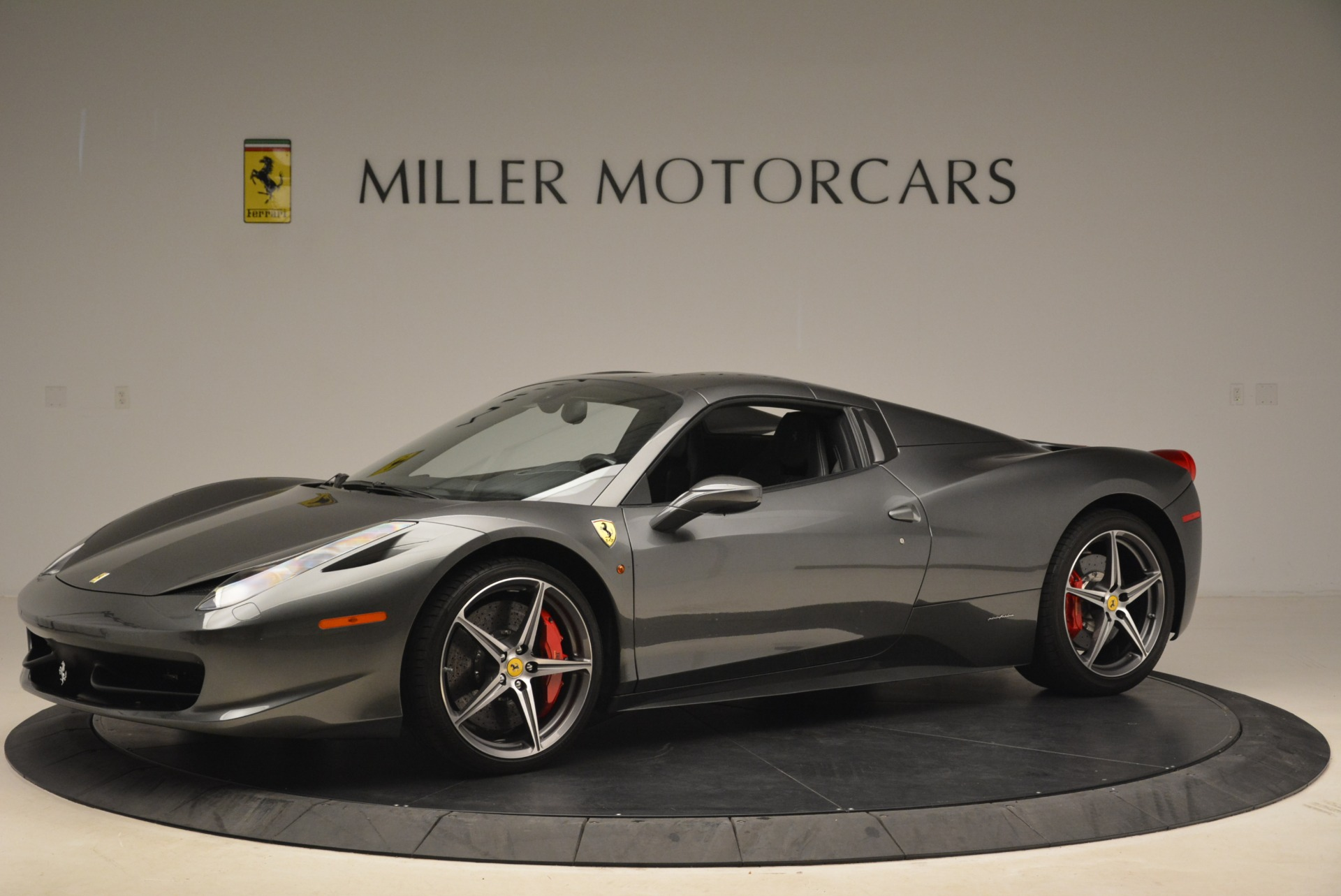 Used 2013 Ferrari 458 Spider  For Sale In Westport, CT 2202_p14
