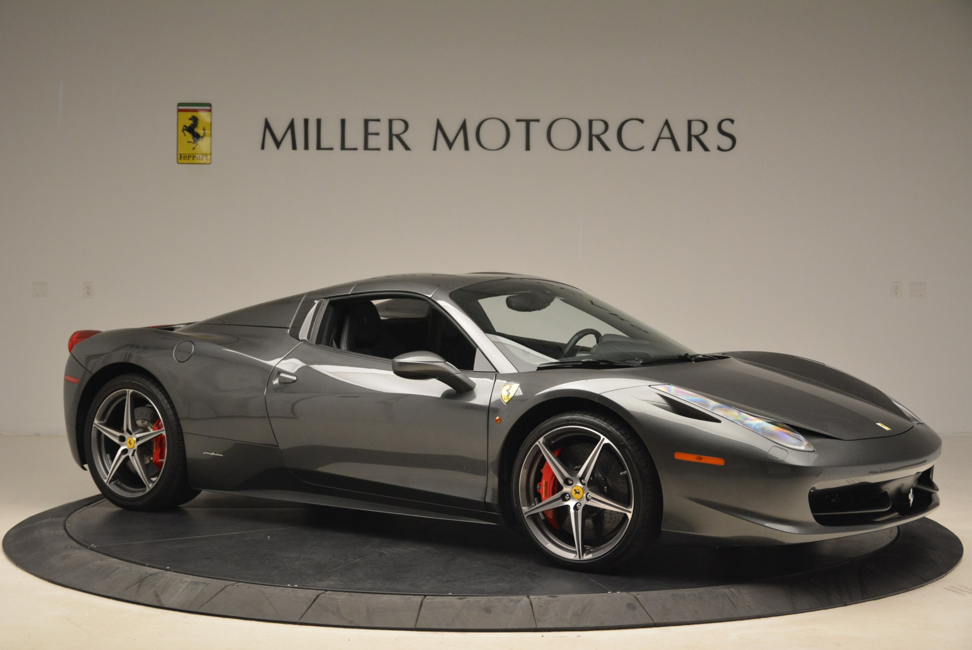Used 2013 Ferrari 458 Spider  For Sale In Westport, CT 2202_p22