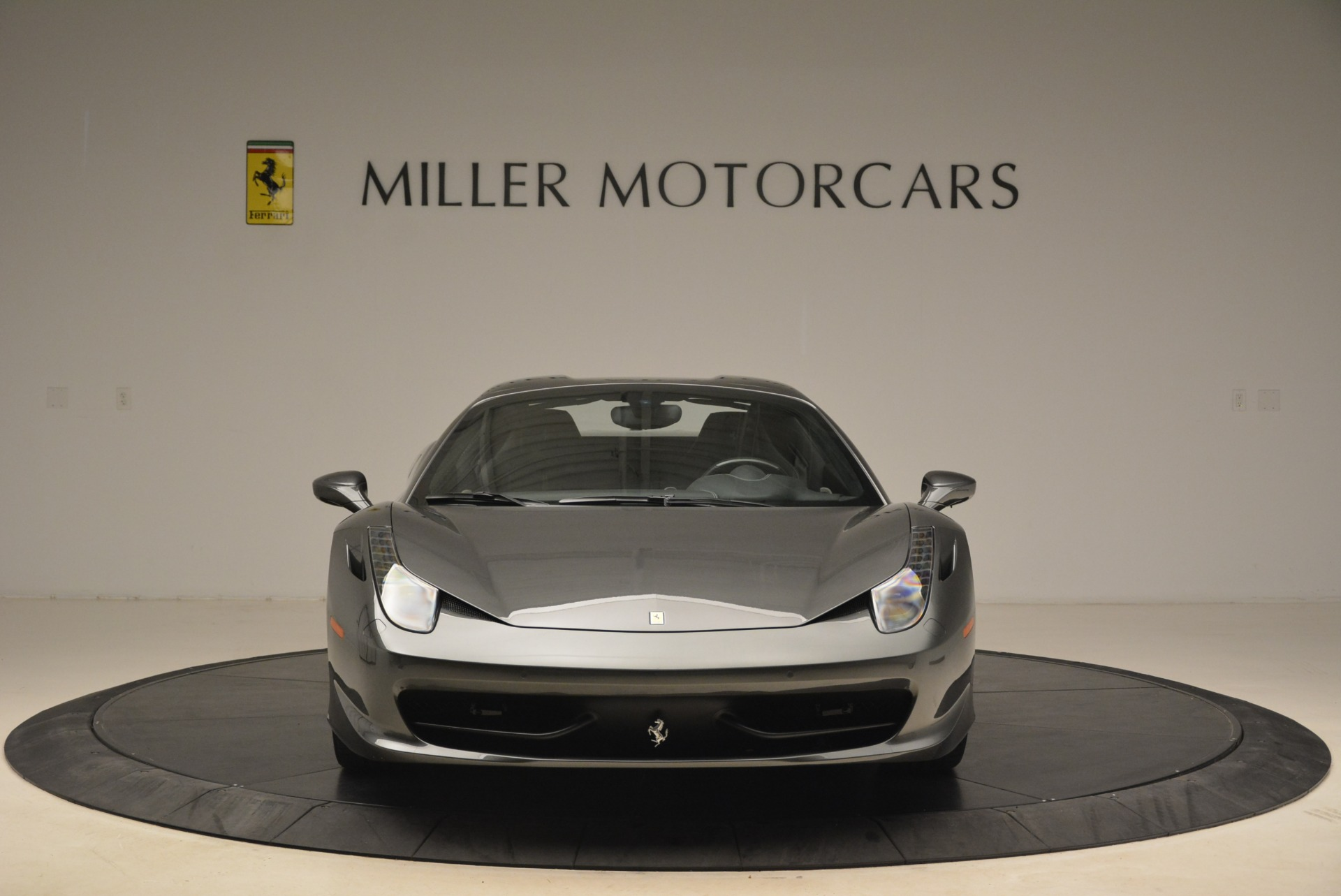 Used 2013 Ferrari 458 Spider  For Sale In Westport, CT 2202_p24