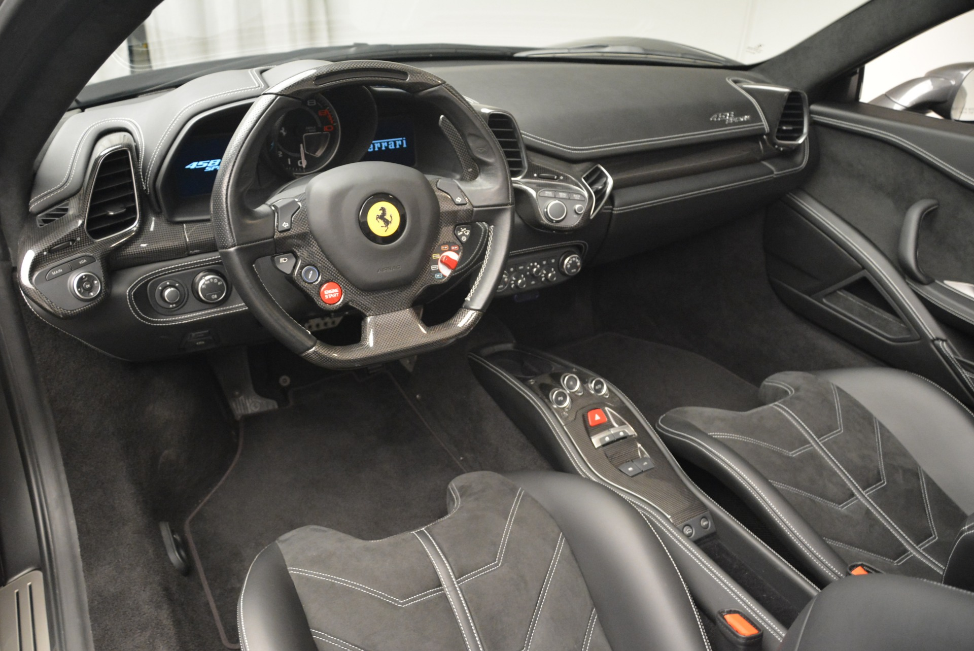 Used 2013 Ferrari 458 Spider  For Sale In Westport, CT 2202_p25
