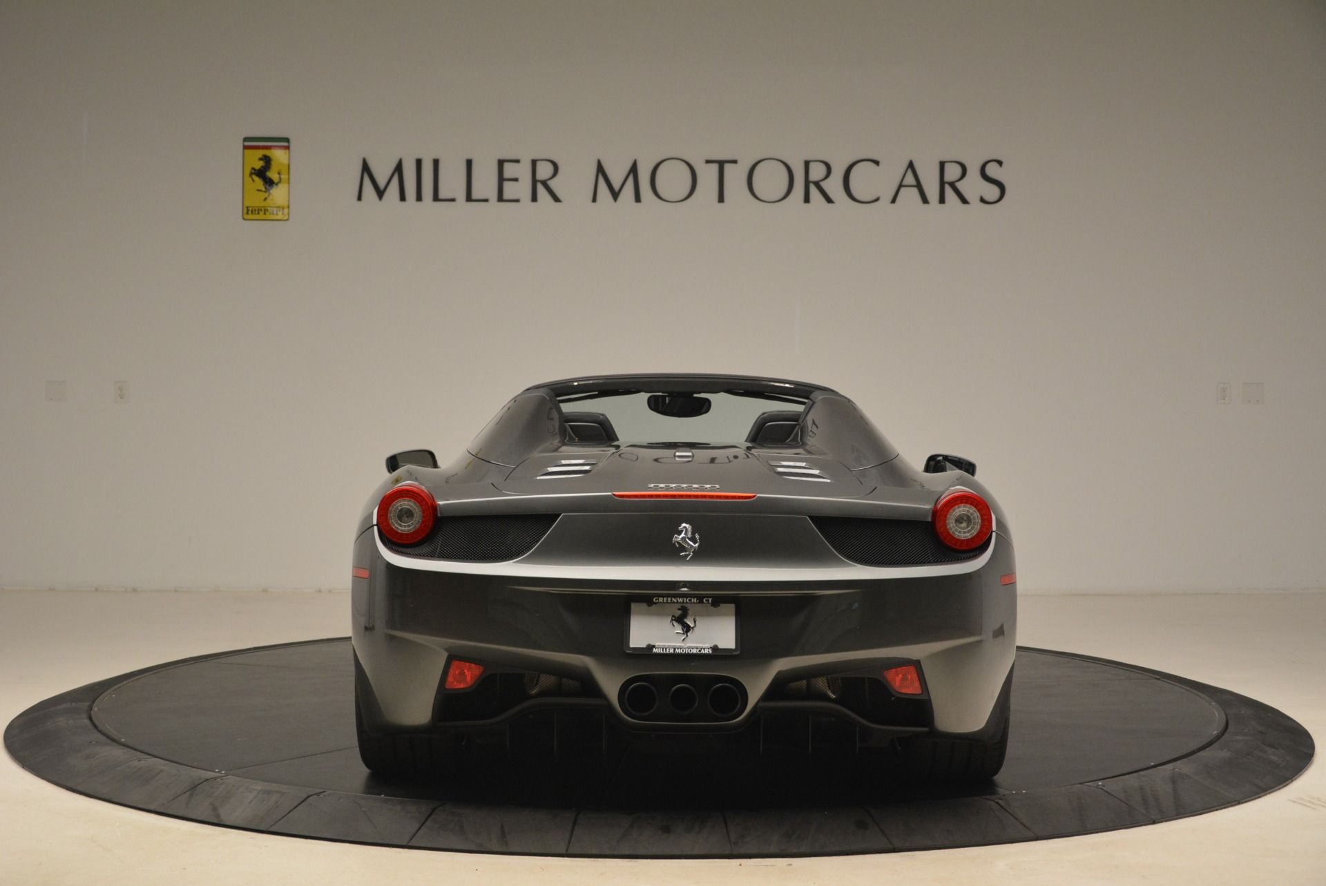Used 2013 Ferrari 458 Spider  For Sale In Westport, CT 2202_p6