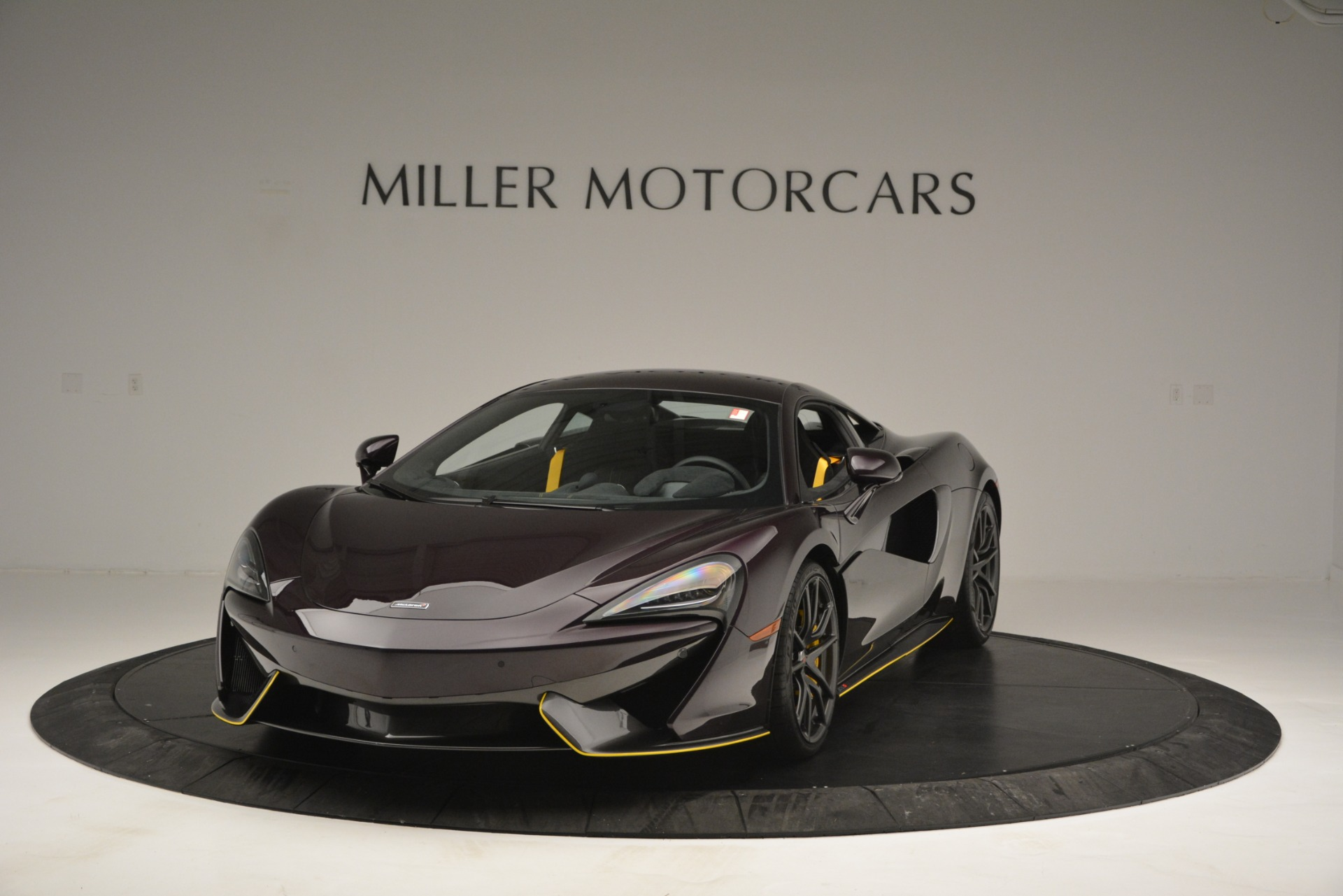 Used 2018 McLaren 570S  For Sale In Westport, CT 2204_main