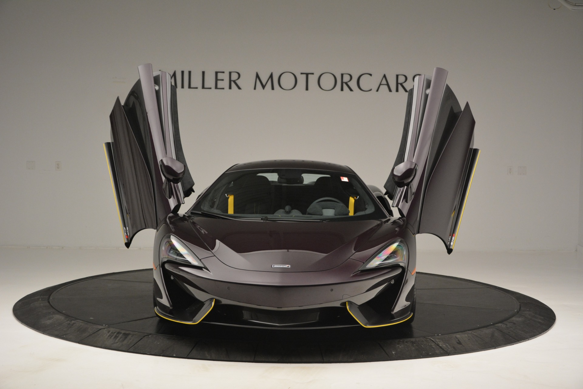 Used 2018 McLaren 570S  For Sale In Westport, CT 2204_p13