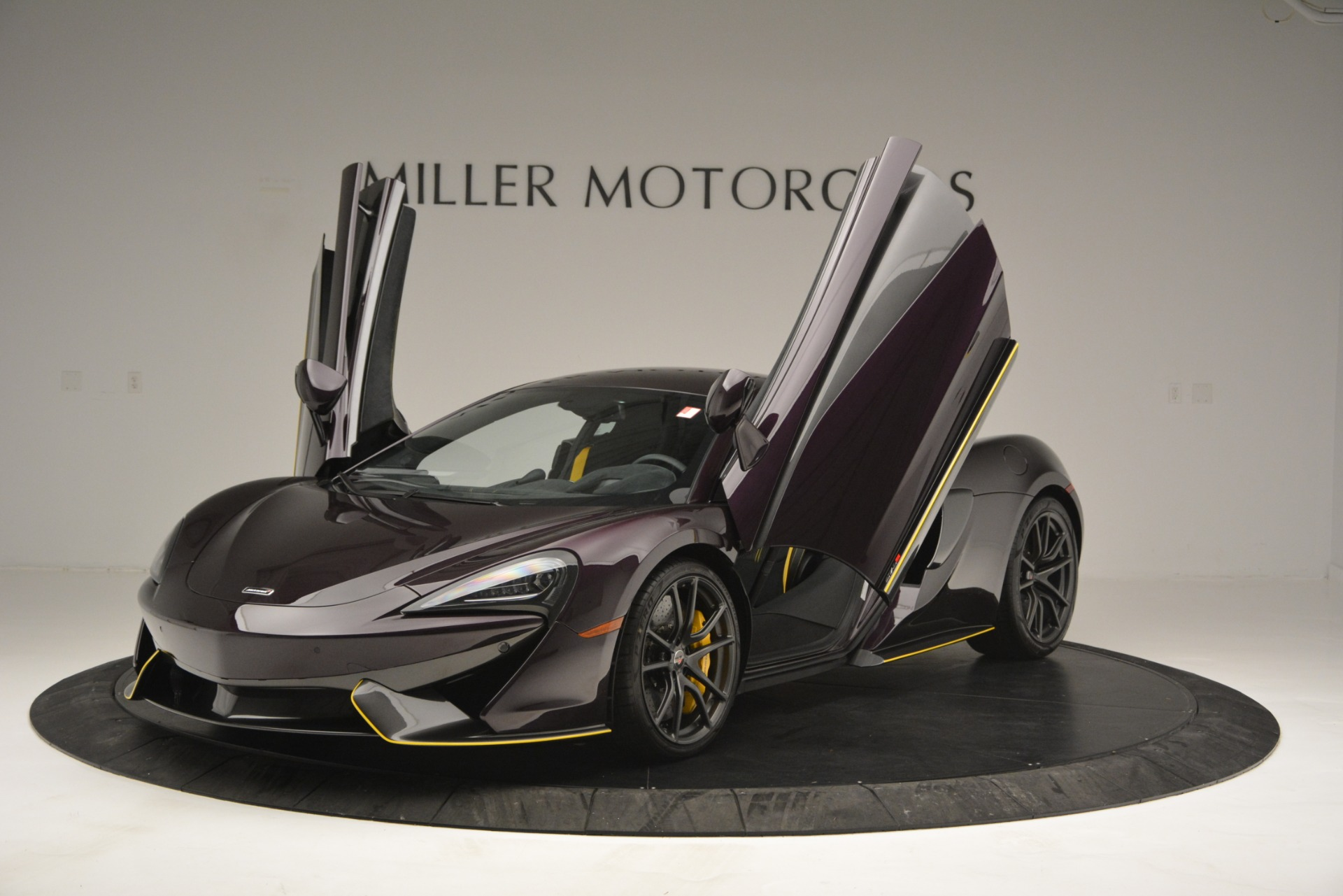 Used 2018 McLaren 570S  For Sale In Westport, CT 2204_p14