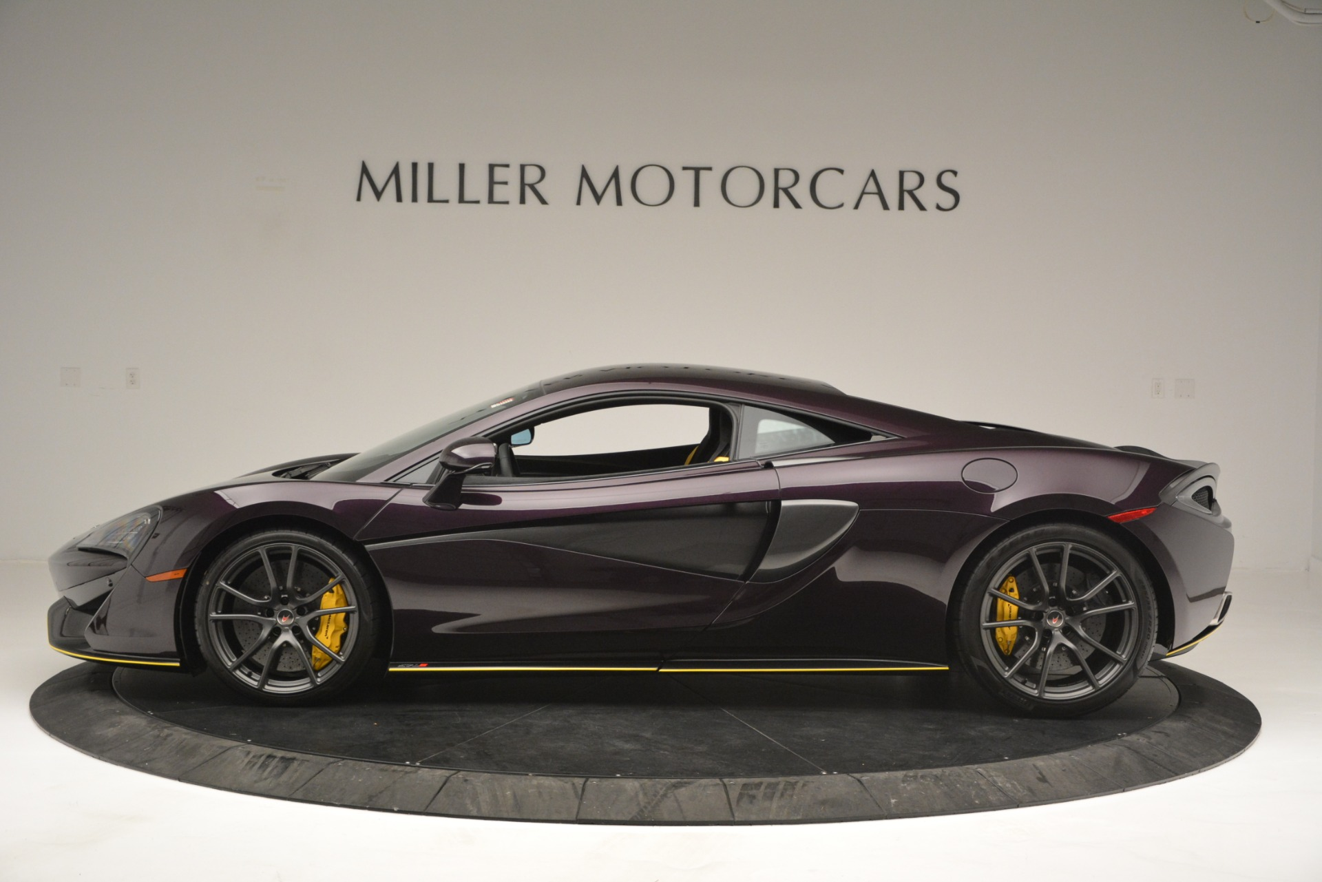 Used 2018 McLaren 570S  For Sale In Westport, CT 2204_p3
