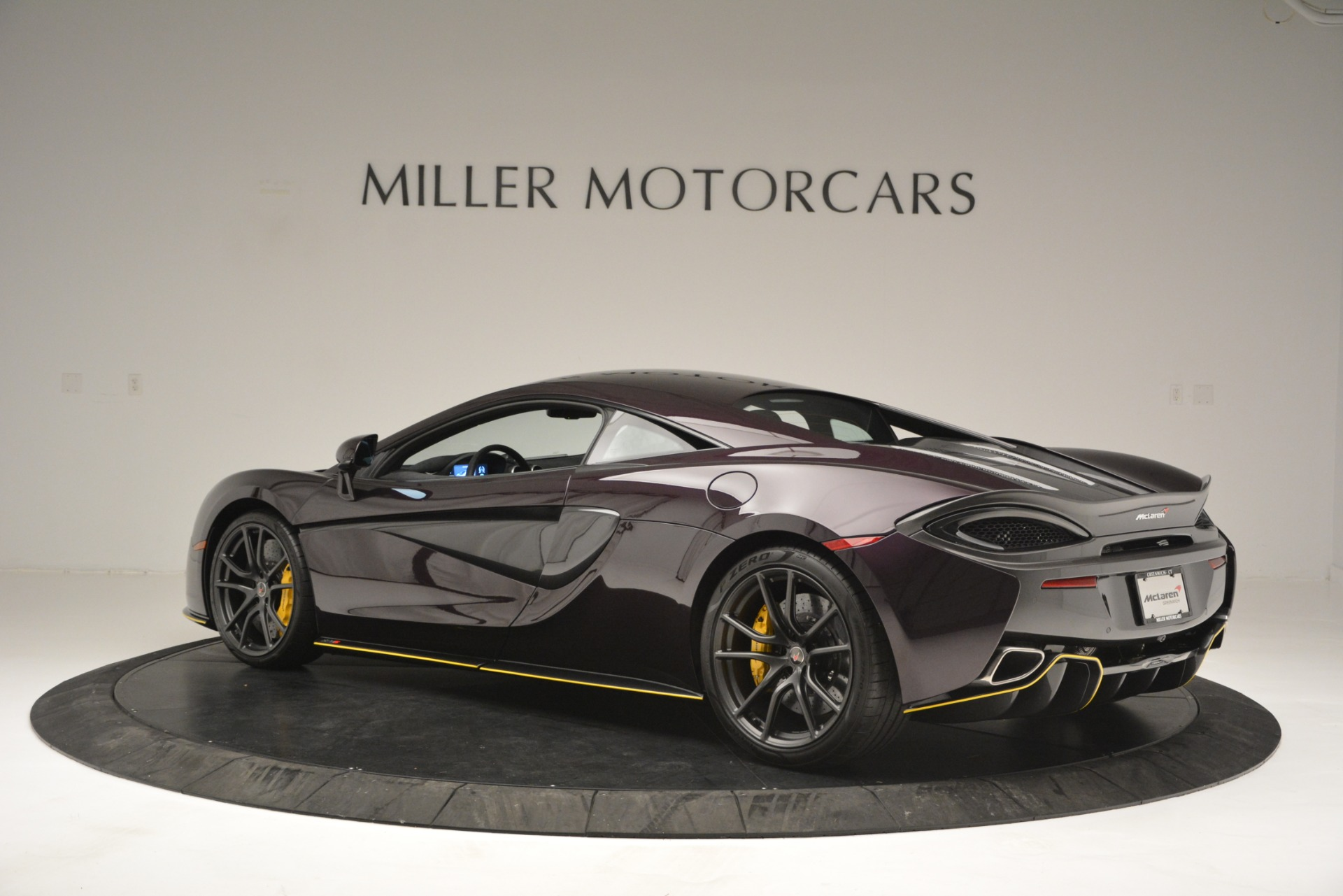 Used 2018 McLaren 570S  For Sale In Westport, CT 2204_p4