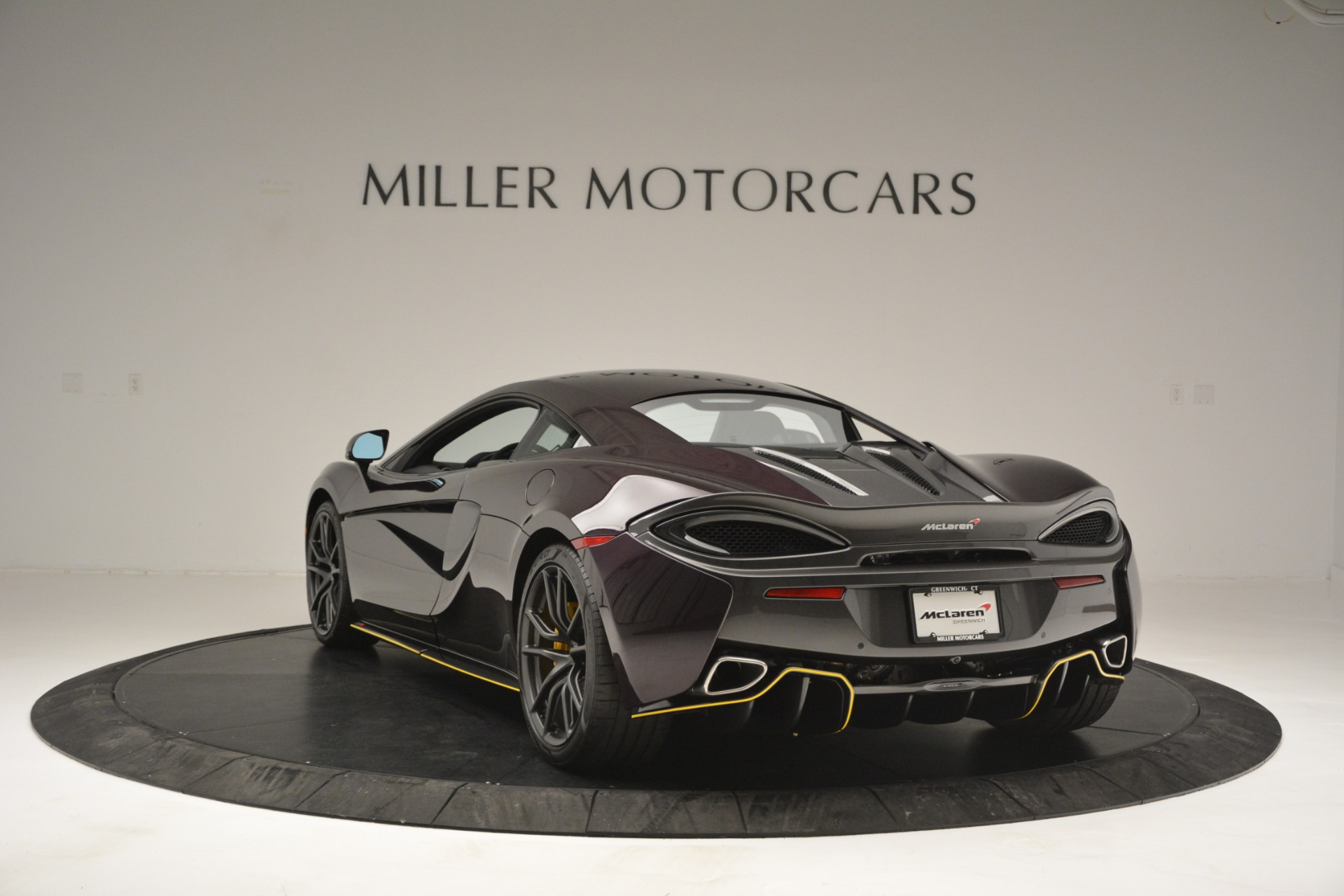 Used 2018 McLaren 570S  For Sale In Westport, CT 2204_p5