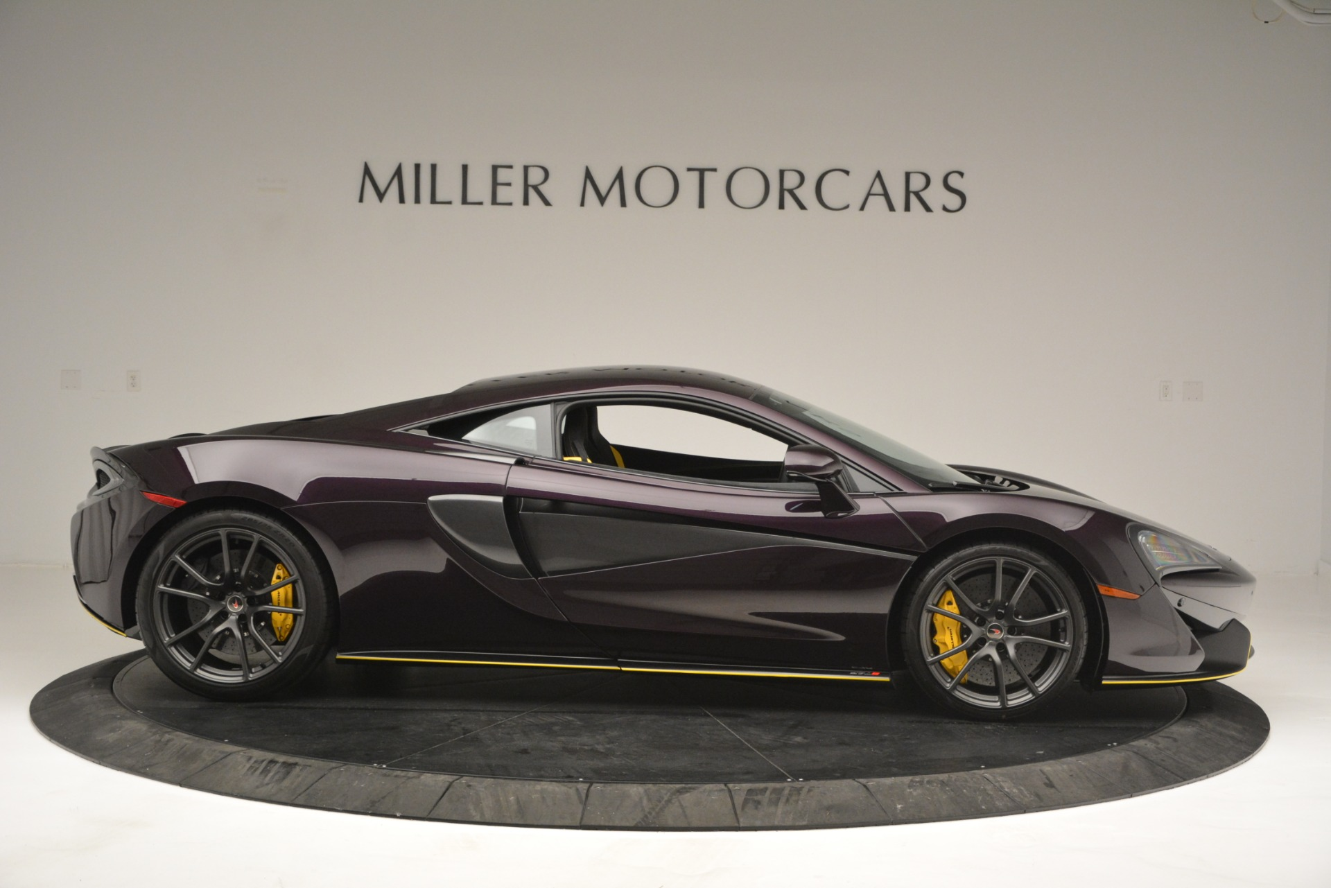 Used 2018 McLaren 570S  For Sale In Westport, CT 2204_p9
