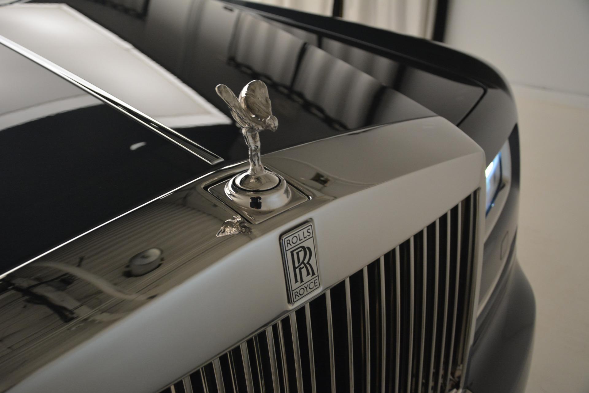 Used 2013 Rolls-Royce Phantom  For Sale In Westport, CT 2208_p10